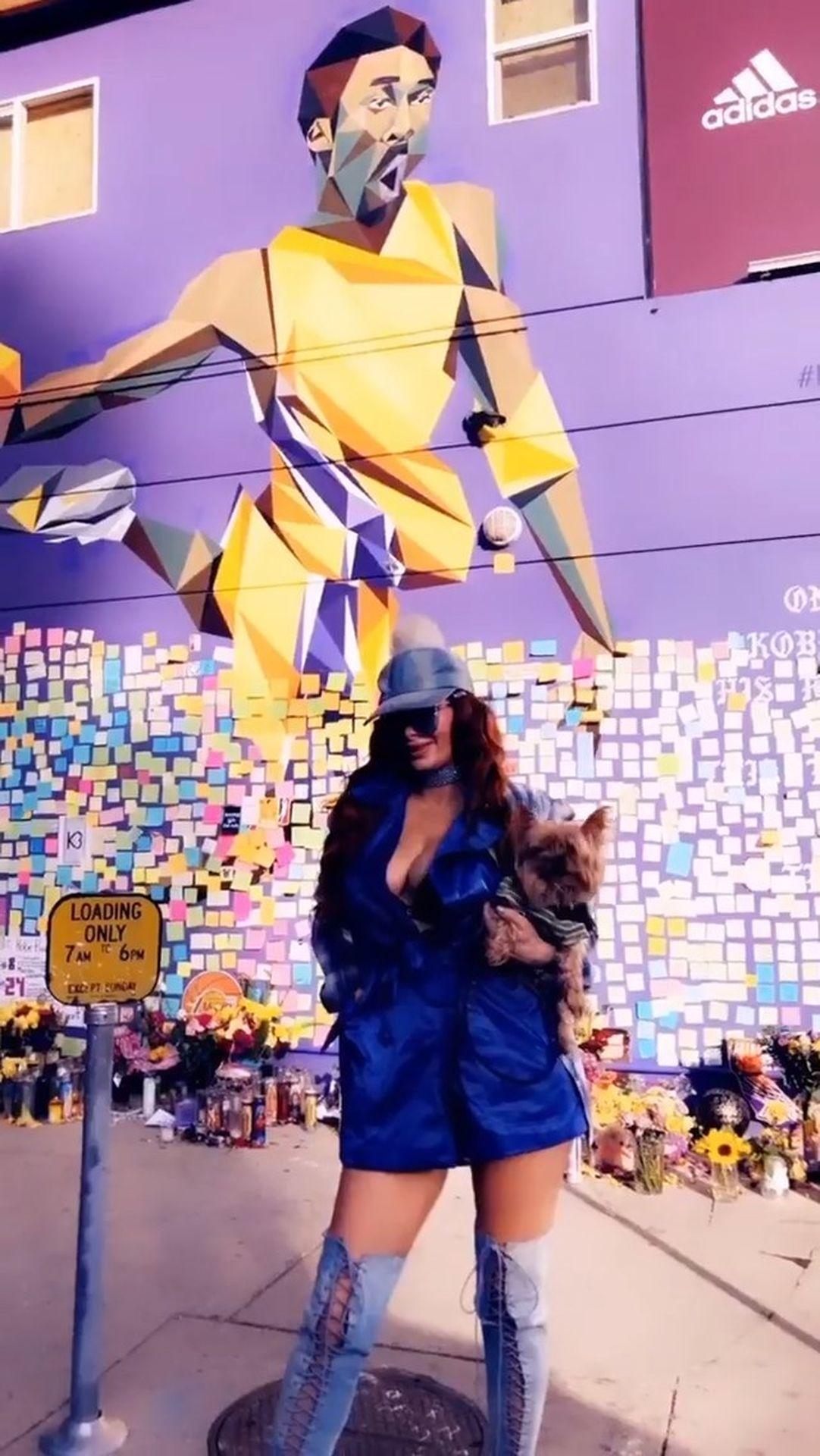 Phoebe Price Gets Her Super Bowl Weekend 0012