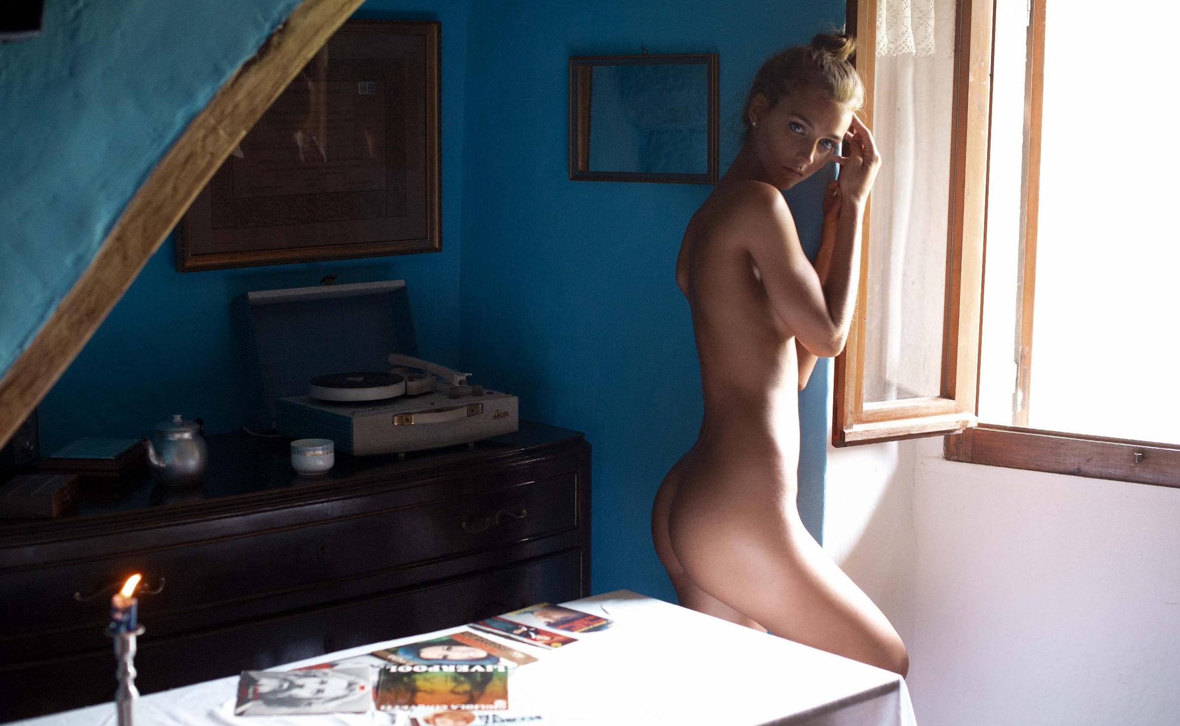 Rachel Cook Nude – Nirvana Magazine 0002