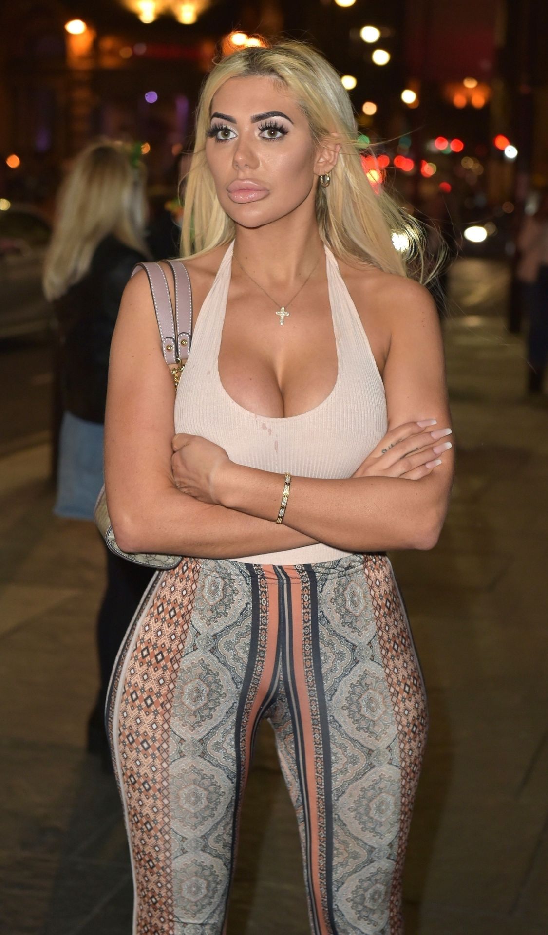 Chloe Ferry Hits The Toon With Her Mum 0050