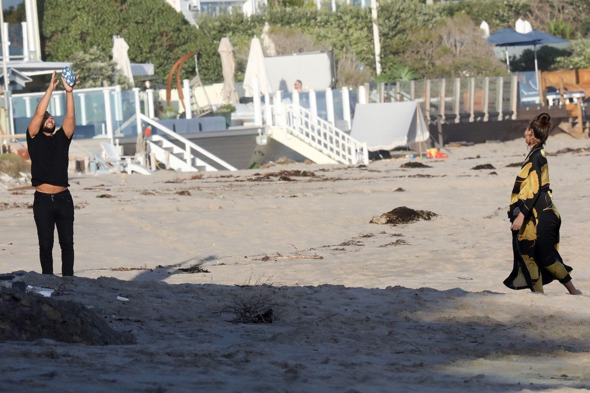 Chrissy Teigen Enjoys A Beach Day In Malibu Amid All Coronavirus Chaos 0005