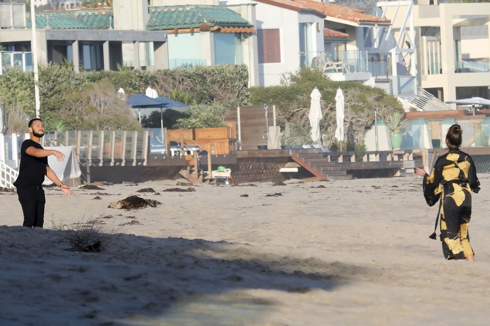 Chrissy Teigen Enjoys A Beach Day In Malibu Amid All Coronavirus Chaos 0022