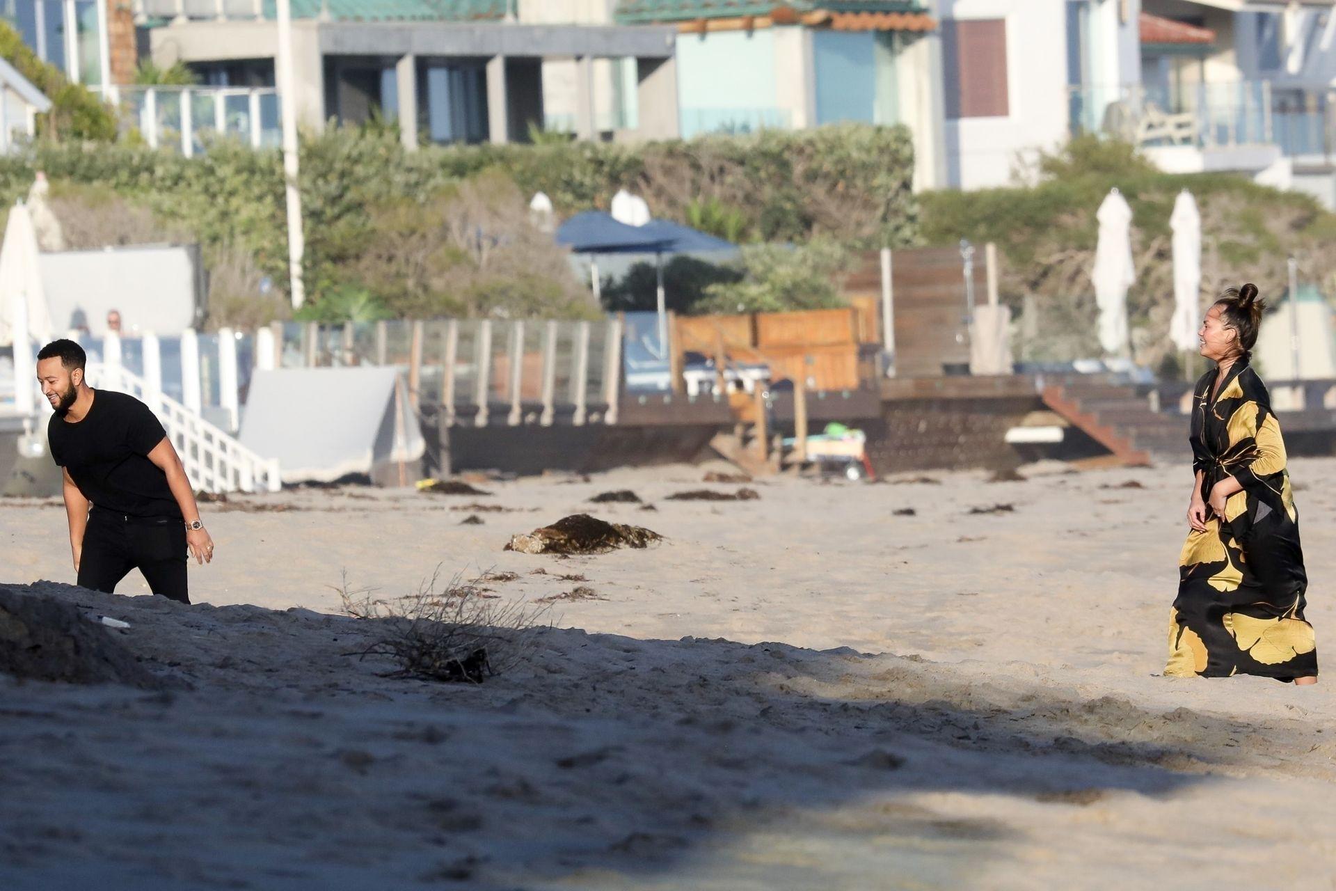 Chrissy Teigen Enjoys A Beach Day In Malibu Amid All Coronavirus Chaos 0024