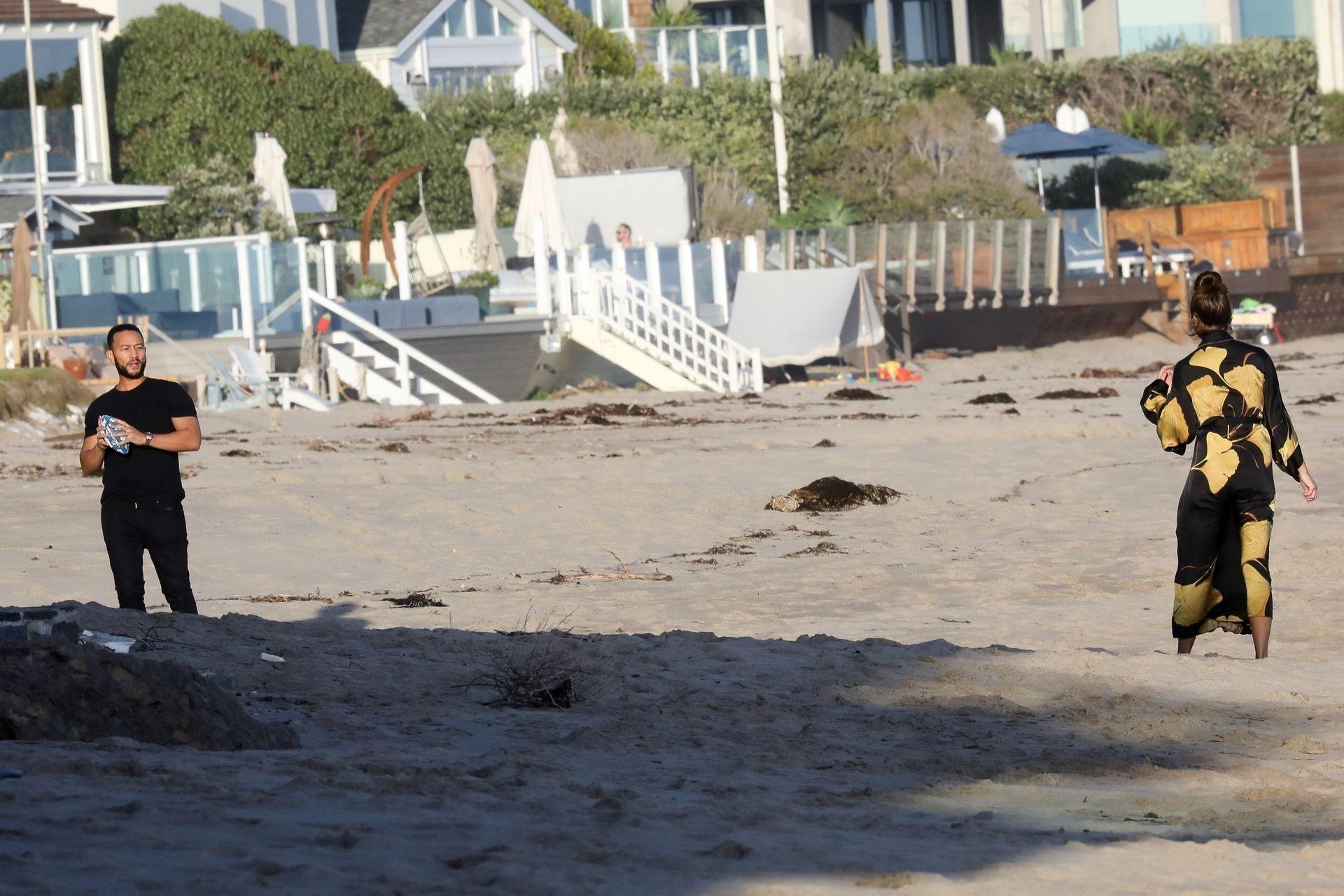 Chrissy Teigen Enjoys A Beach Day In Malibu Amid All Coronavirus Chaos 0026