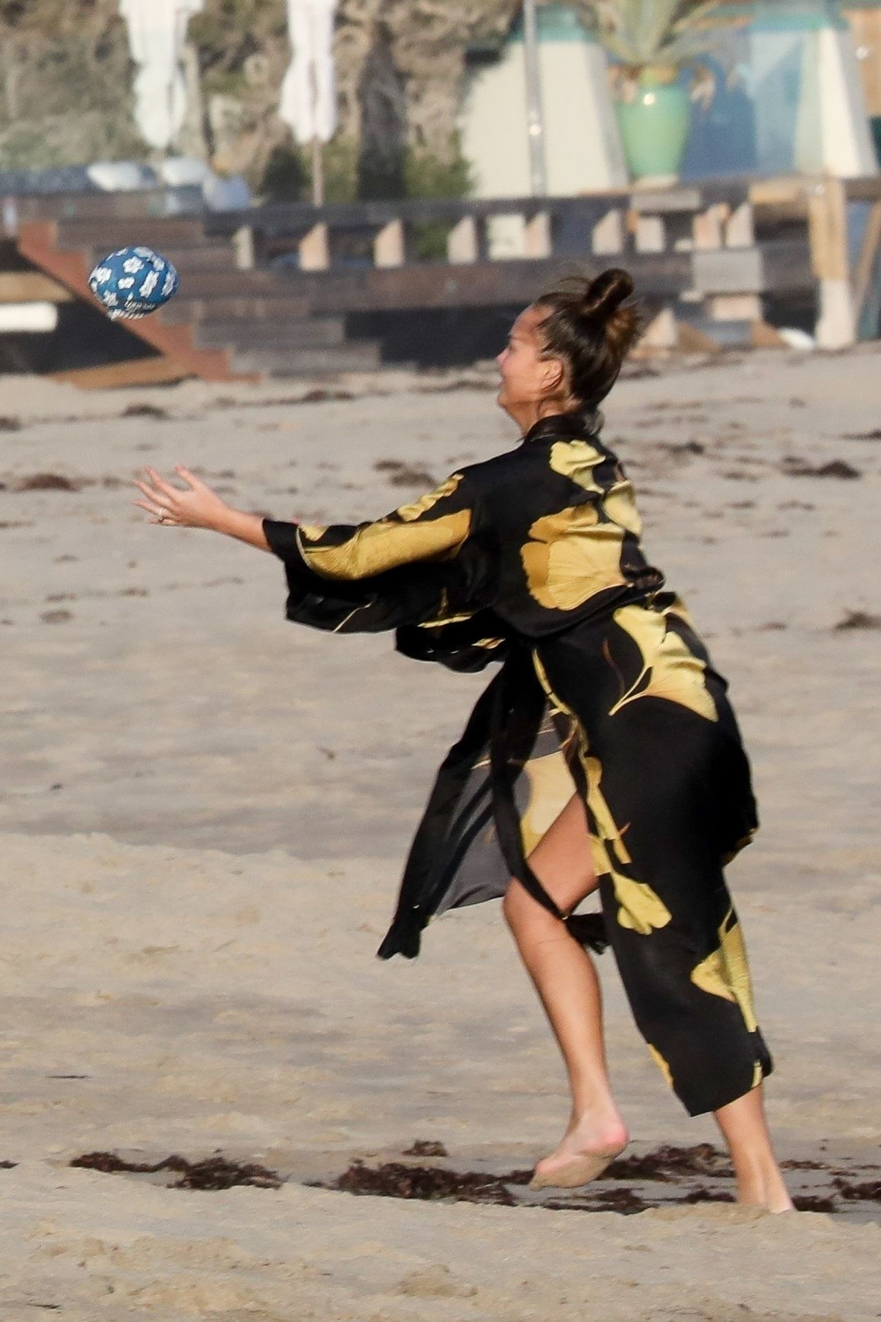 Chrissy Teigen Enjoys A Beach Day In Malibu Amid All Coronavirus Chaos 0029