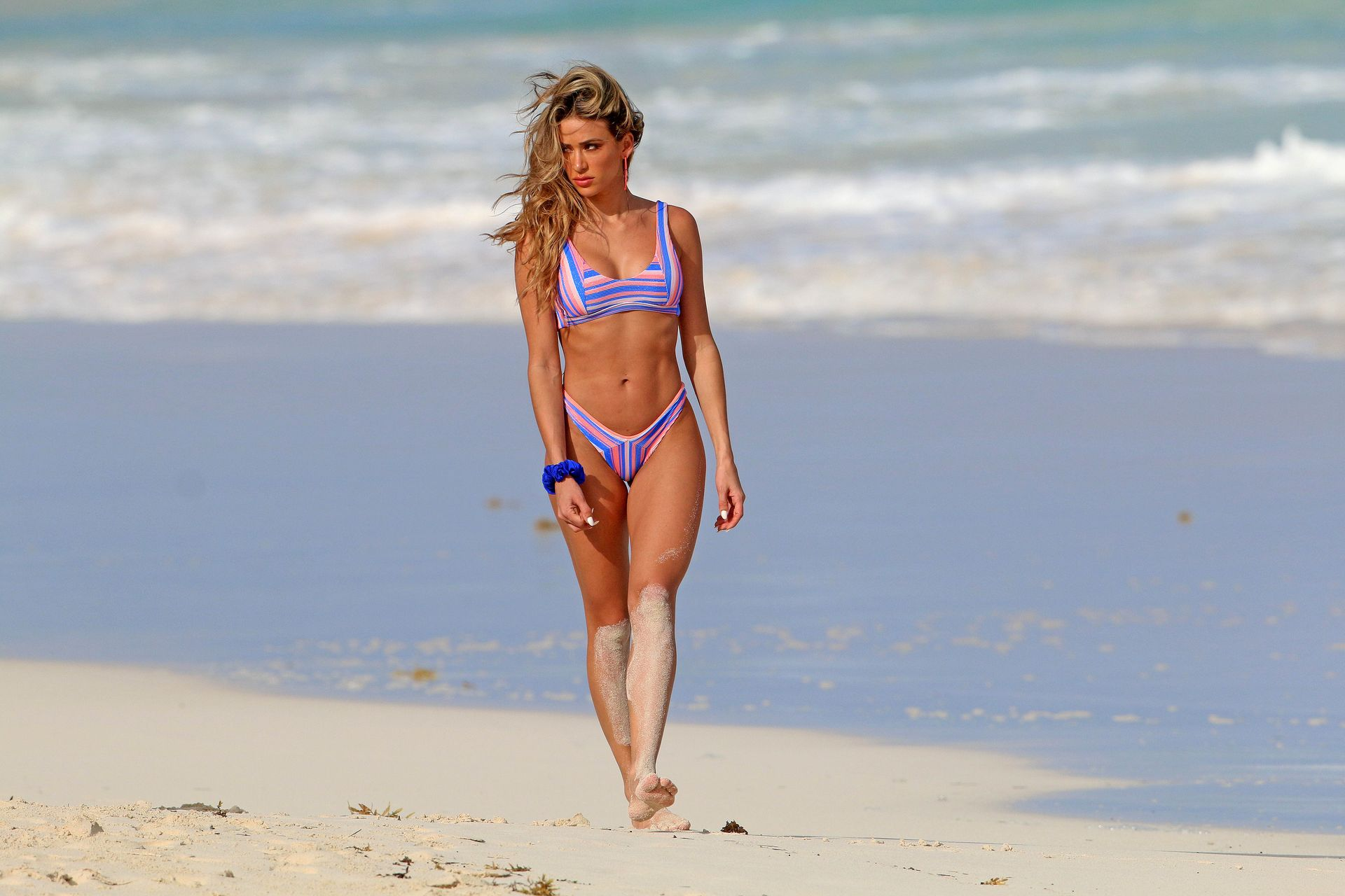 Cindy Prado Shows Off Her Fantastic Body While Doing A Photoshoot In Cancun 0003