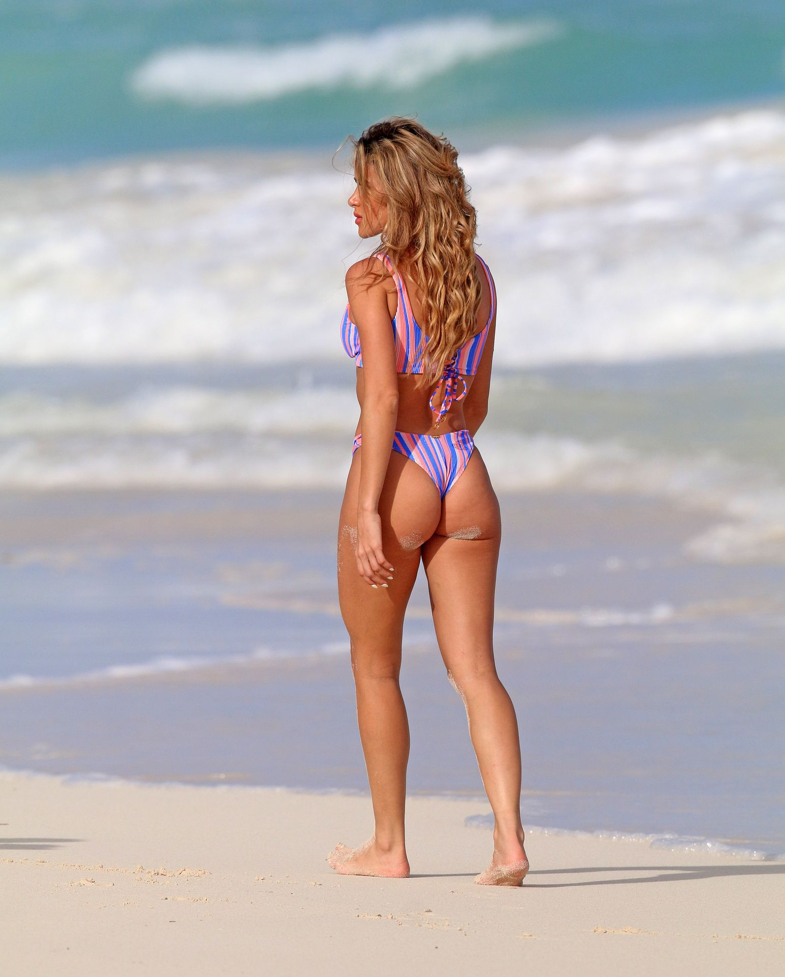 Cindy Prado Shows Off Her Fantastic Body While Doing A Photoshoot In Cancun 0007