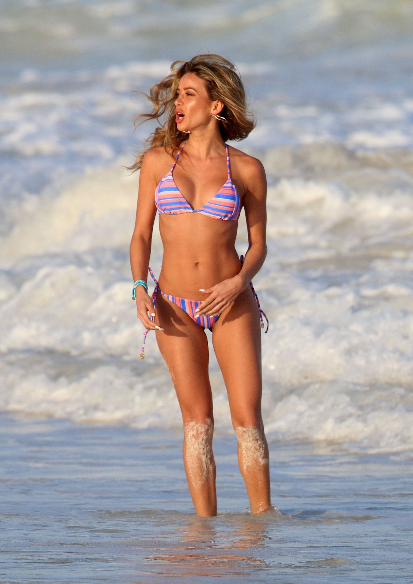 Cindy Prado Shows Off Her Fantastic Body While Doing A Photoshoot In Cancun 0017