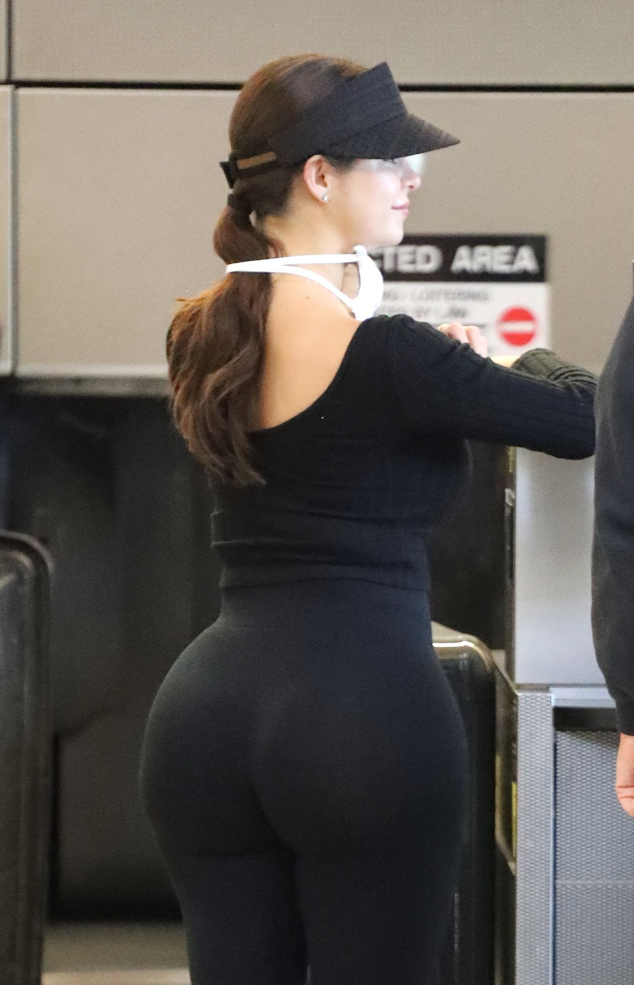 Demi Rose Wears A Face Mask As She Jets Out Of Los Angeles International Airport 0006
