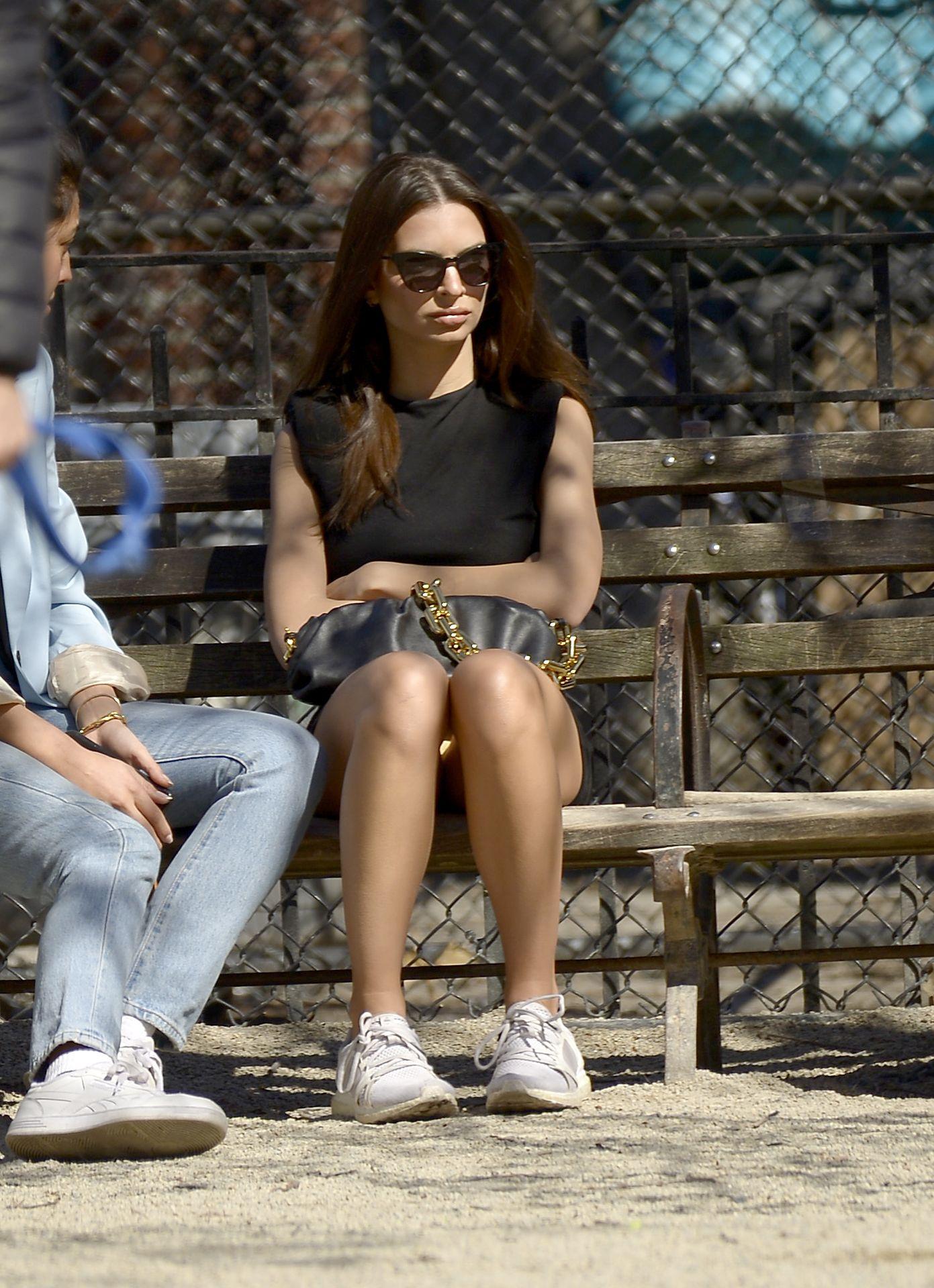 Emily Ratajkowski Takes Her Dog To A Dog Park In New York City 0029