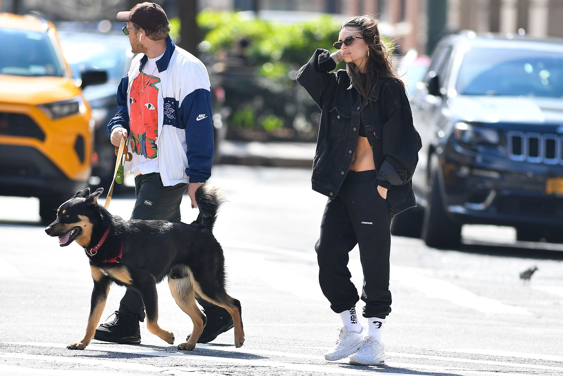 Emily Ratajkowski Walks With Her Dog Colombo In Nyc 0007