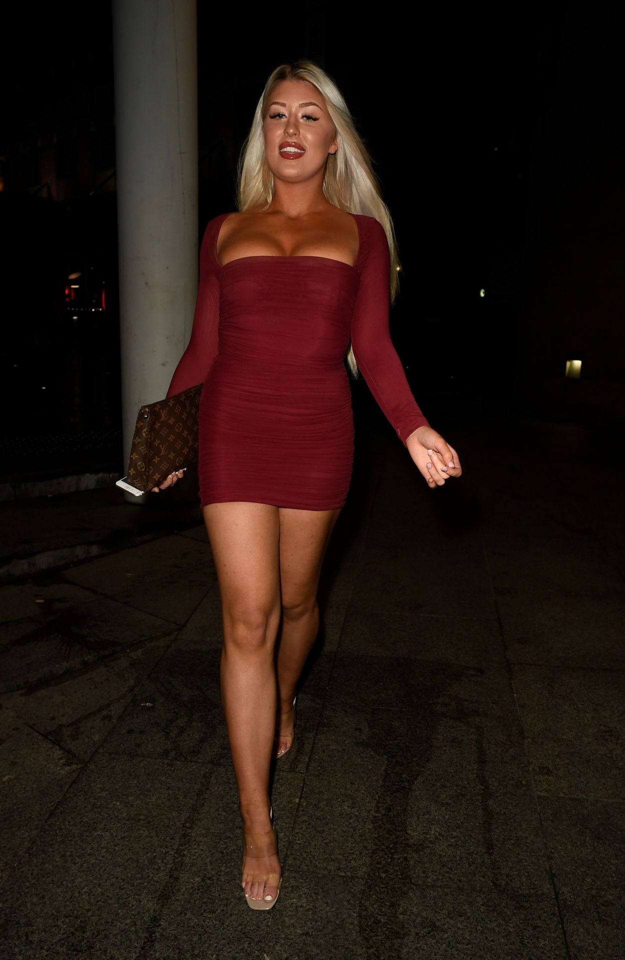 Eve Gale Is Heading To China Whites In Manchester 0012