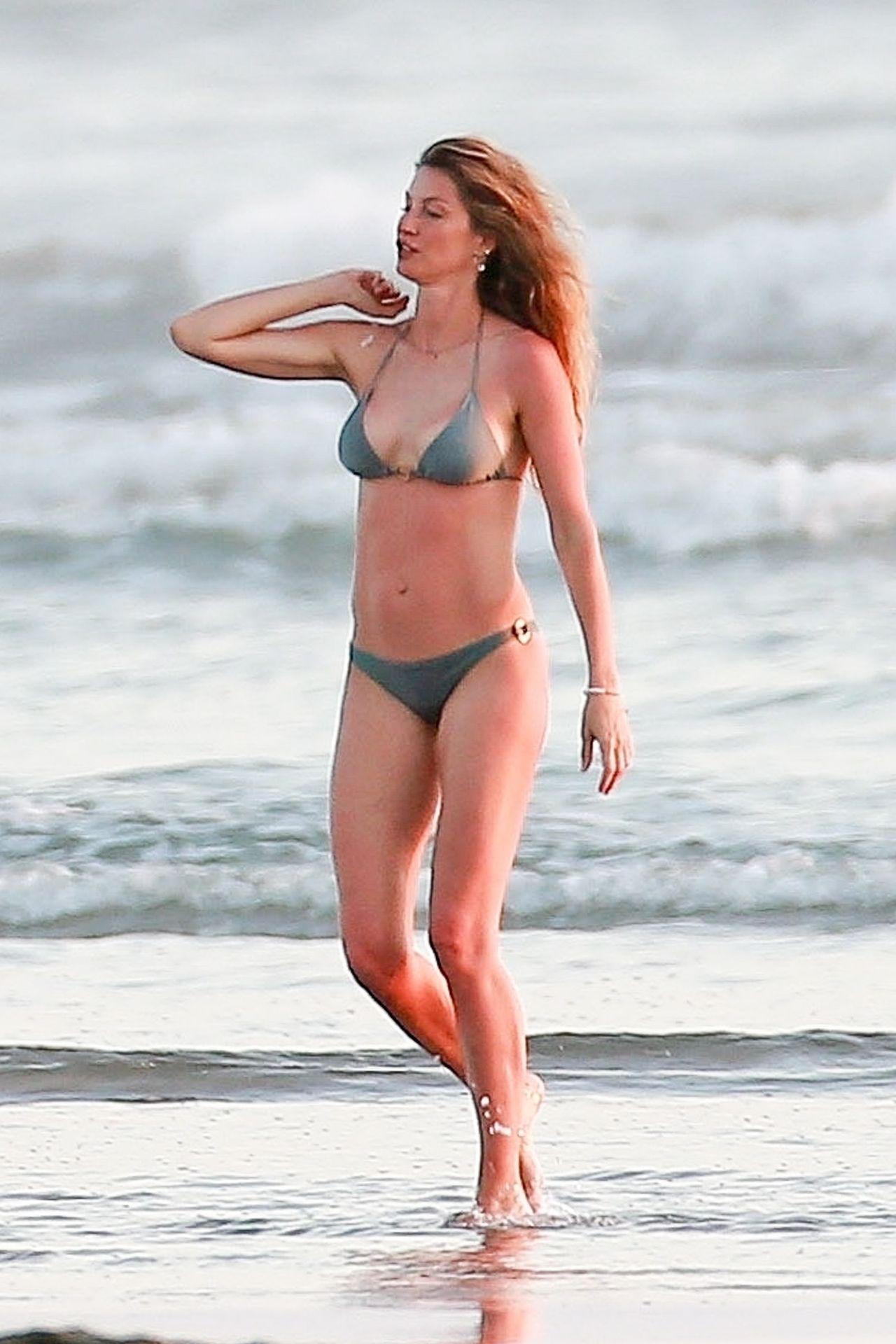 Gisele Bündchen Is Seen Enjoying The Warm Weather In Costa Rica 0016