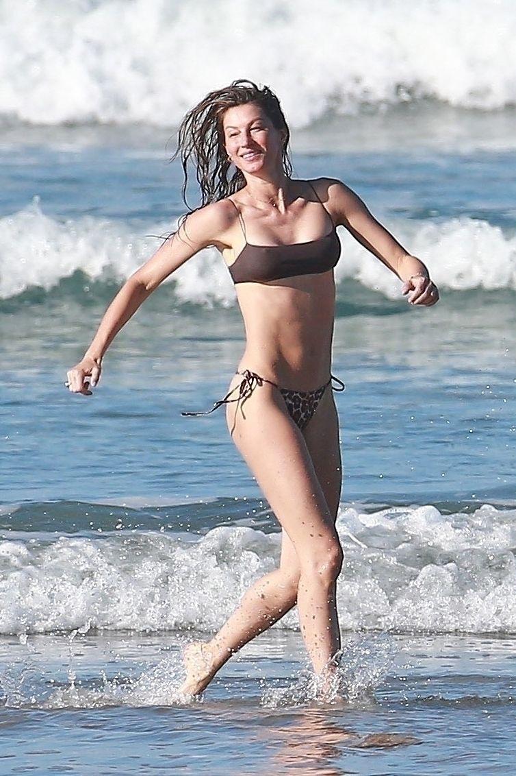 Gisele Bundchen Puts Her Incredible Bikini Body On Display During A Beach Photoshoot 0001