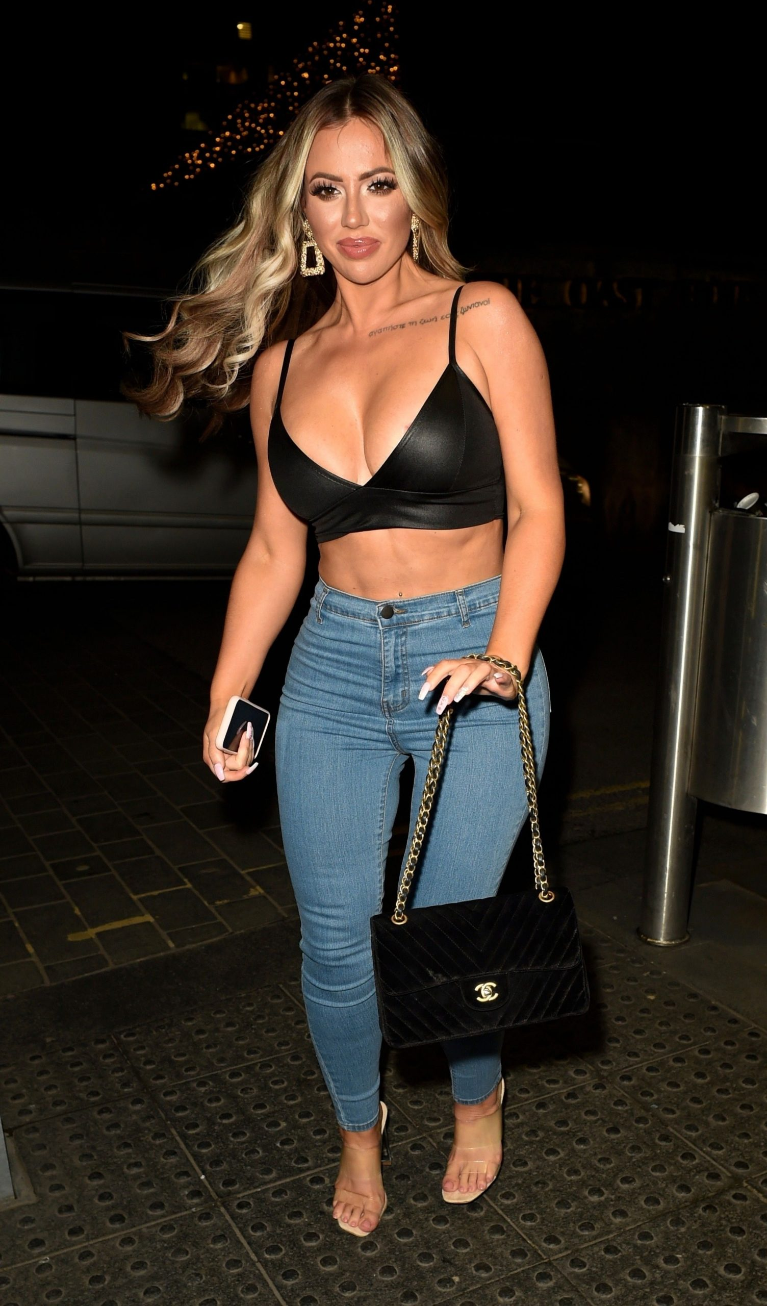 Holly Hagan Shows Off Her Sexy Figure On A Girls Night Out 0009