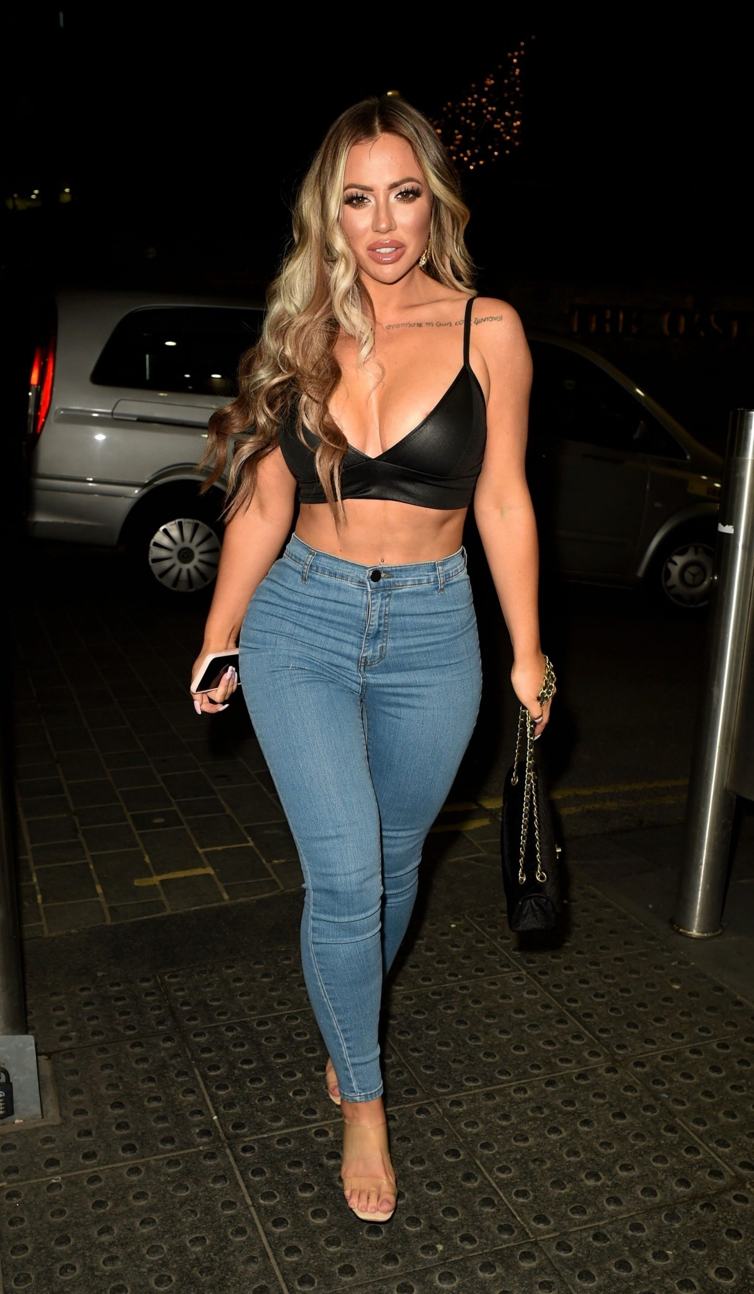 Holly Hagan Shows Off Her Sexy Figure On A Girls Night Out 0010