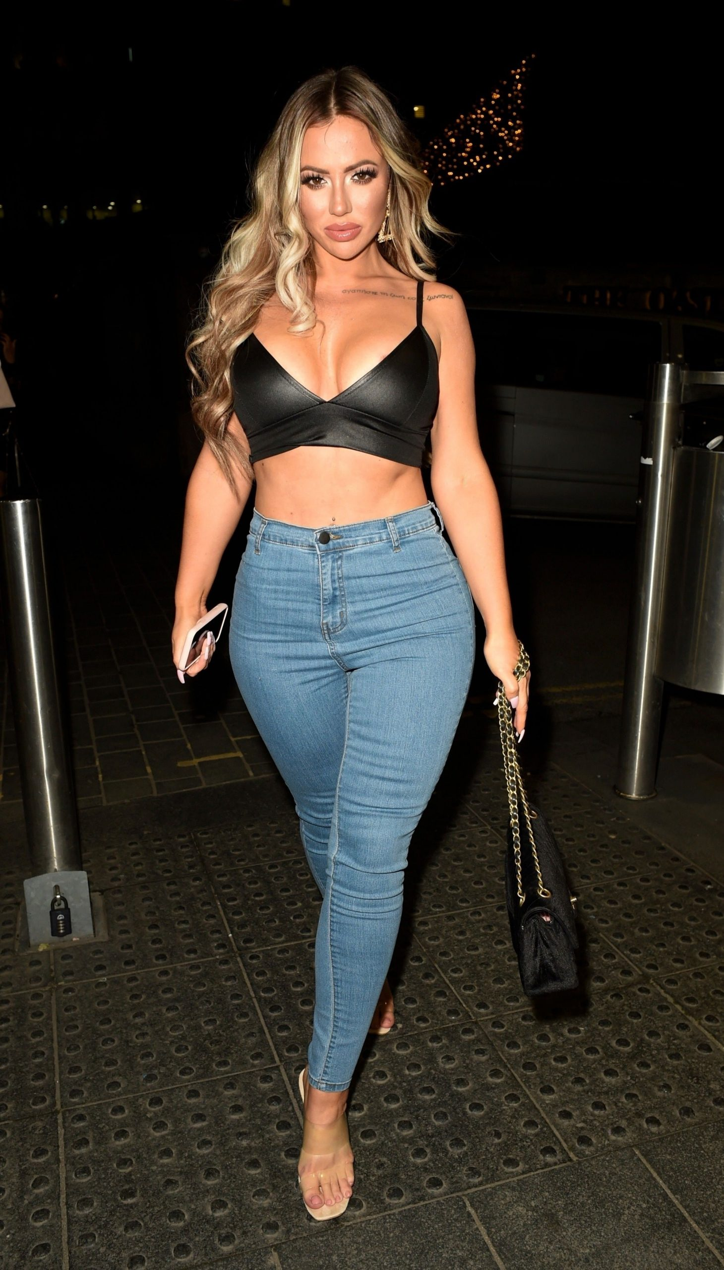Holly Hagan Shows Off Her Sexy Figure On A Girls Night Out 0011