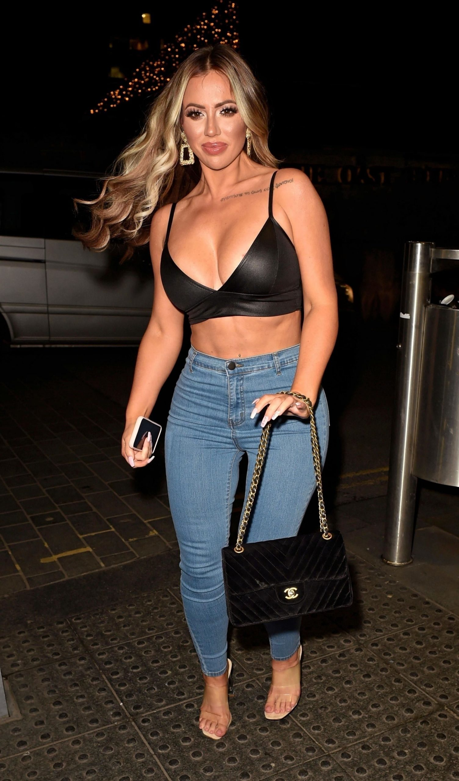 Holly Hagan Shows Off Her Sexy Figure On A Girls Night Out 0014