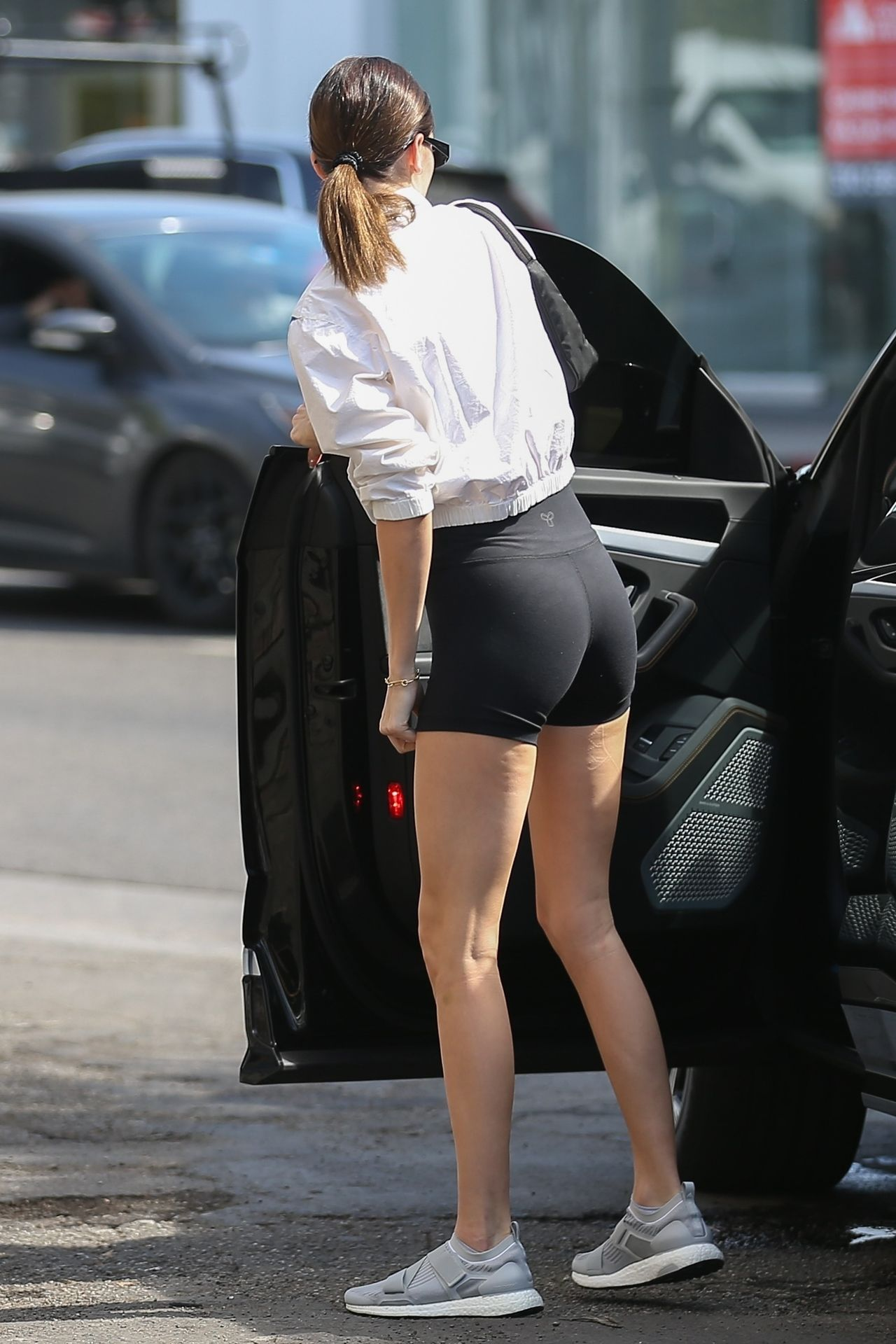 Kendall Jenner Showcases Her Cellulite Legs In Tiny Spandex Shorts In Los Angeles 0030