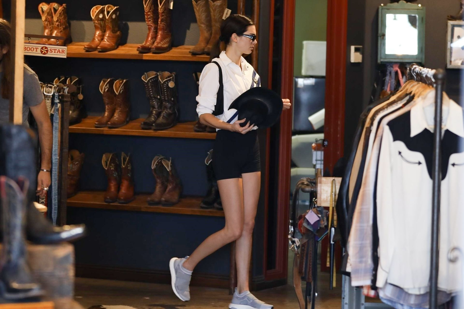 Kendall Jenner Showcases Her Cellulite Legs In Tiny Spandex Shorts In Los Angeles 0059
