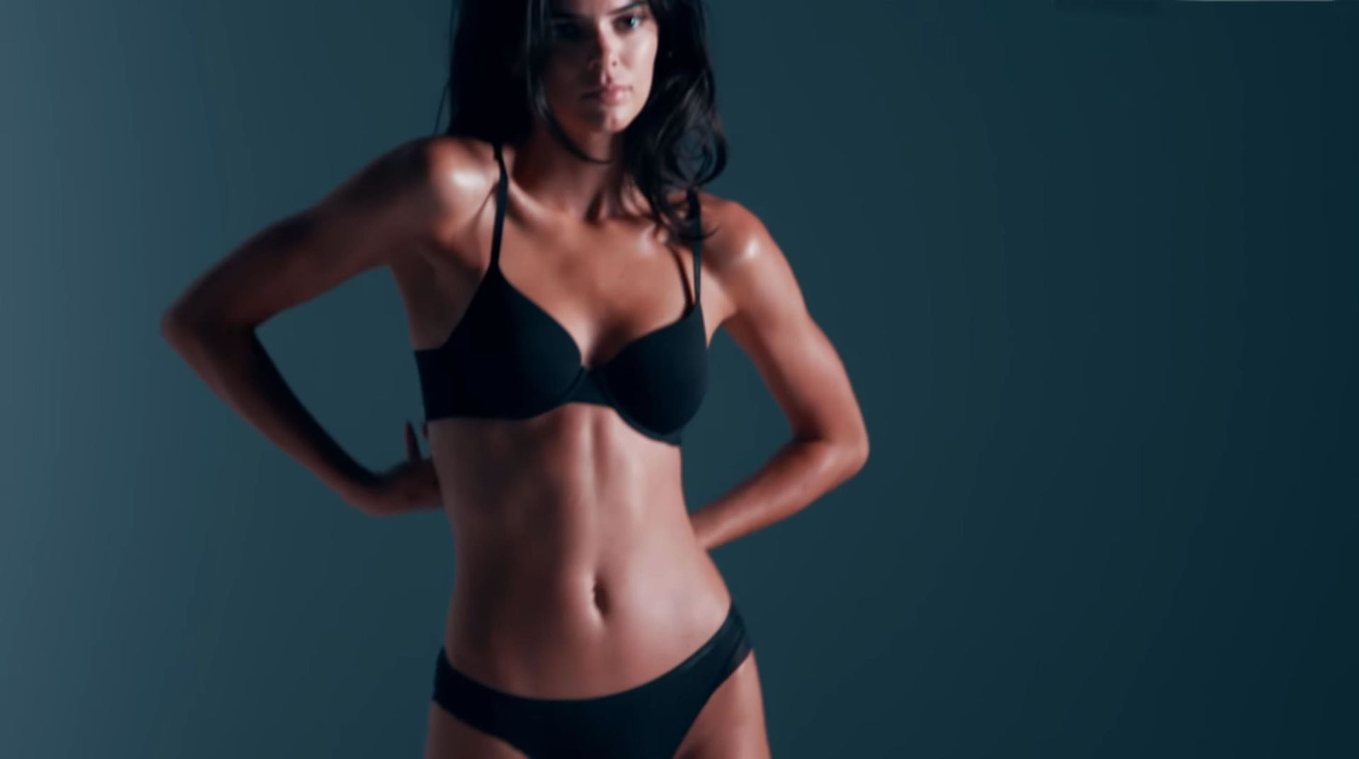 Kendall Jenner Shows Off Her Stunning Figure For Calvin Klein Spring 2020 Campaign 0002