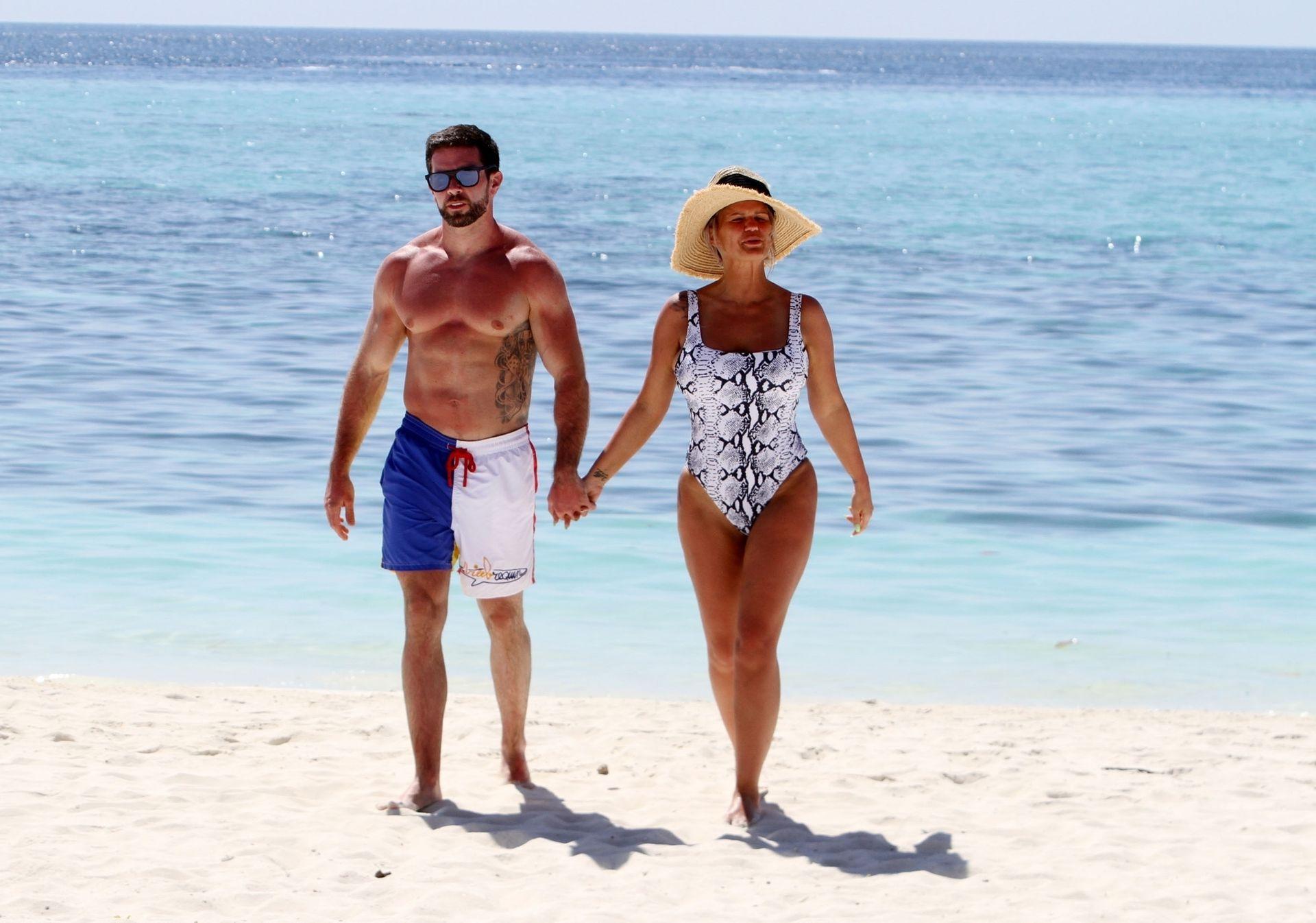 Kerry Katona & Ryan Mahoney Hit The Beach On Holiday At Their Luxury 5 Star Resort Ayada Maldives 0002