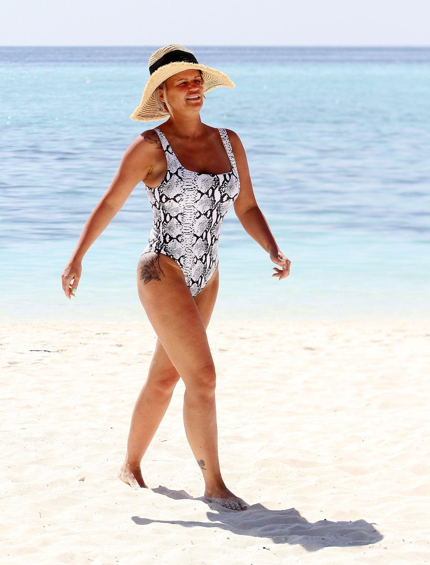 Kerry Katona & Ryan Mahoney Hit The Beach On Holiday At Their Luxury 5 Star Resort Ayada Maldives 0006