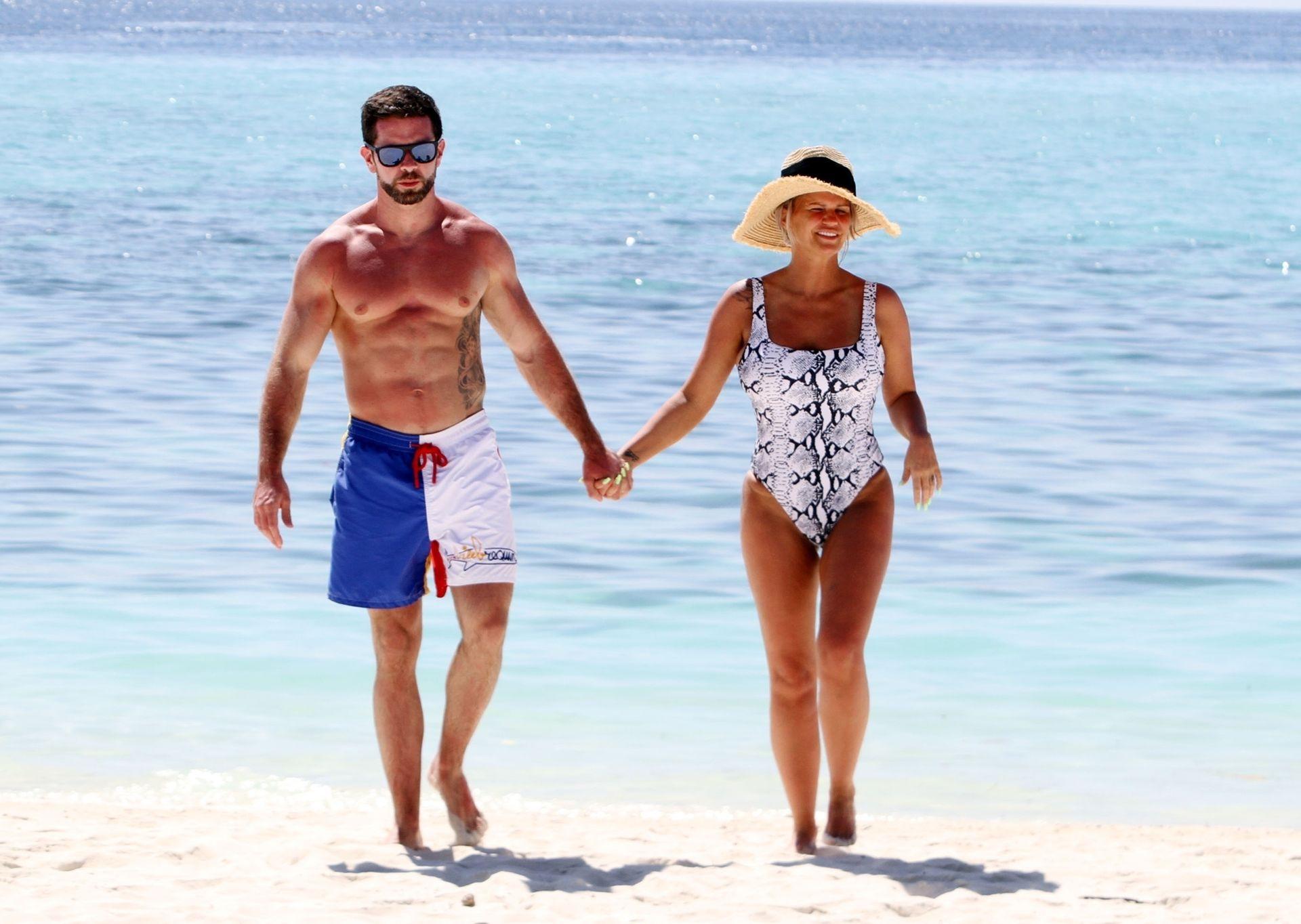 Kerry Katona & Ryan Mahoney Hit The Beach On Holiday At Their Luxury 5 Star Resort Ayada Maldives 0011