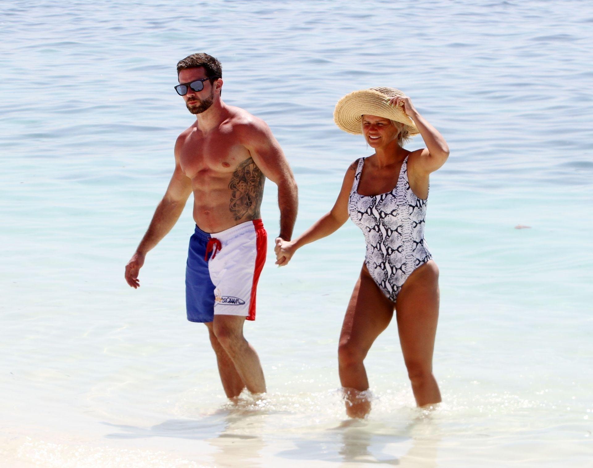 Kerry Katona & Ryan Mahoney Hit The Beach On Holiday At Their Luxury 5 Star Resort Ayada Maldives 0014