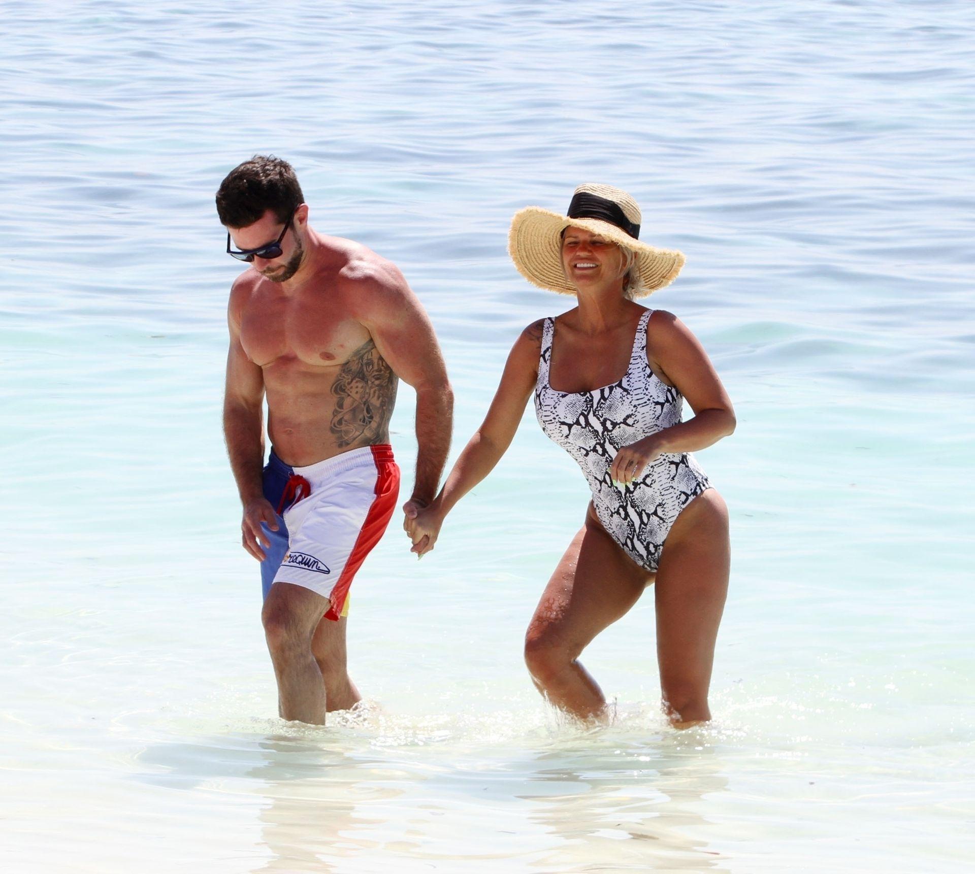 Kerry Katona & Ryan Mahoney Hit The Beach On Holiday At Their Luxury 5 Star Resort Ayada Maldives 0016
