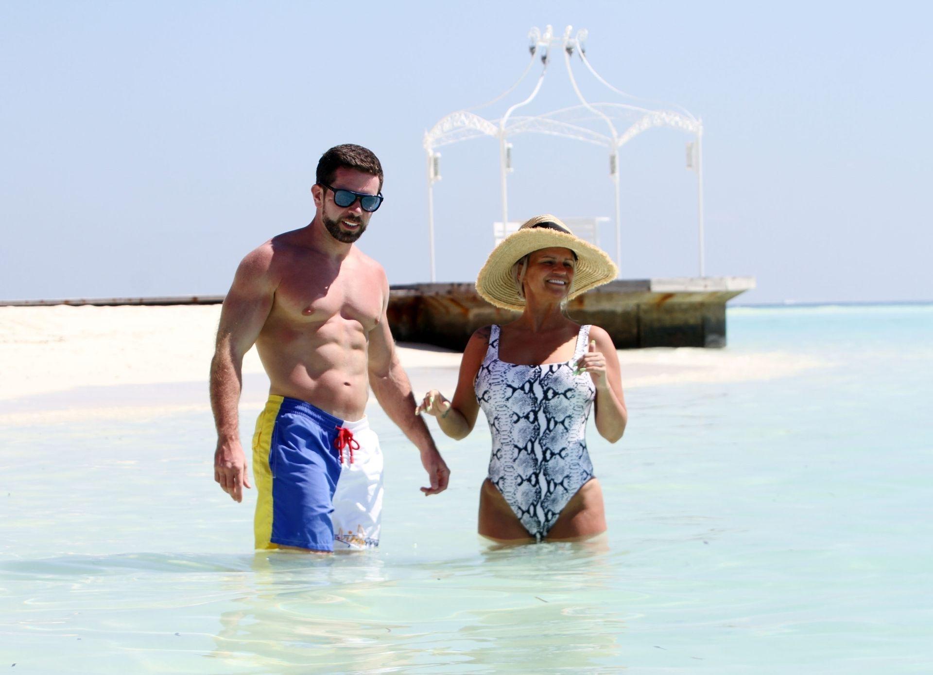 Kerry Katona & Ryan Mahoney Hit The Beach On Holiday At Their Luxury 5 Star Resort Ayada Maldives 0017