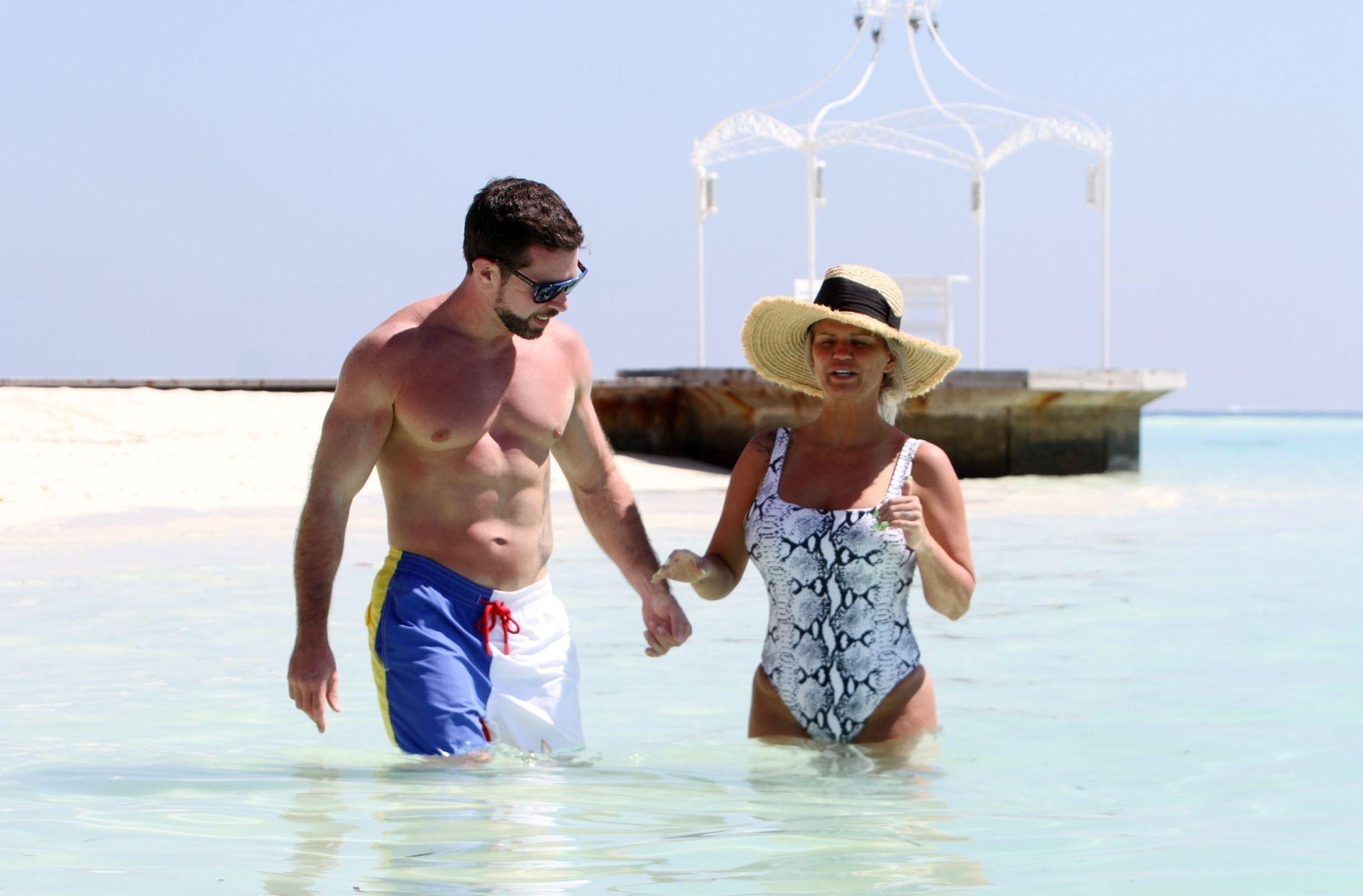 Kerry Katona & Ryan Mahoney Hit The Beach On Holiday At Their Luxury 5 Star Resort Ayada Maldives 0018