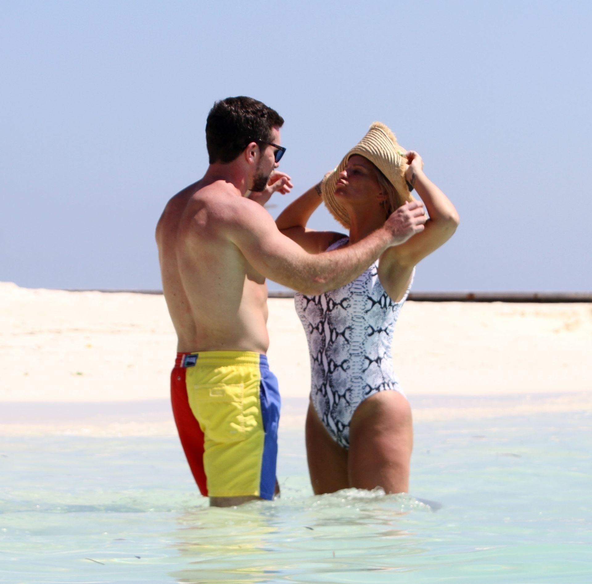 Kerry Katona & Ryan Mahoney Hit The Beach On Holiday At Their Luxury 5 Star Resort Ayada Maldives 0023