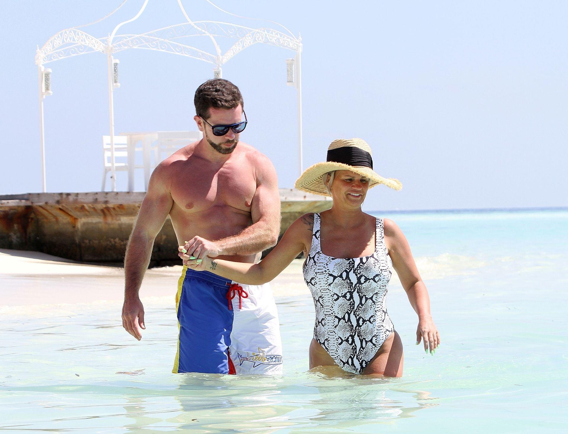 Kerry Katona & Ryan Mahoney Hit The Beach On Holiday At Their Luxury 5 Star Resort Ayada Maldives 0027