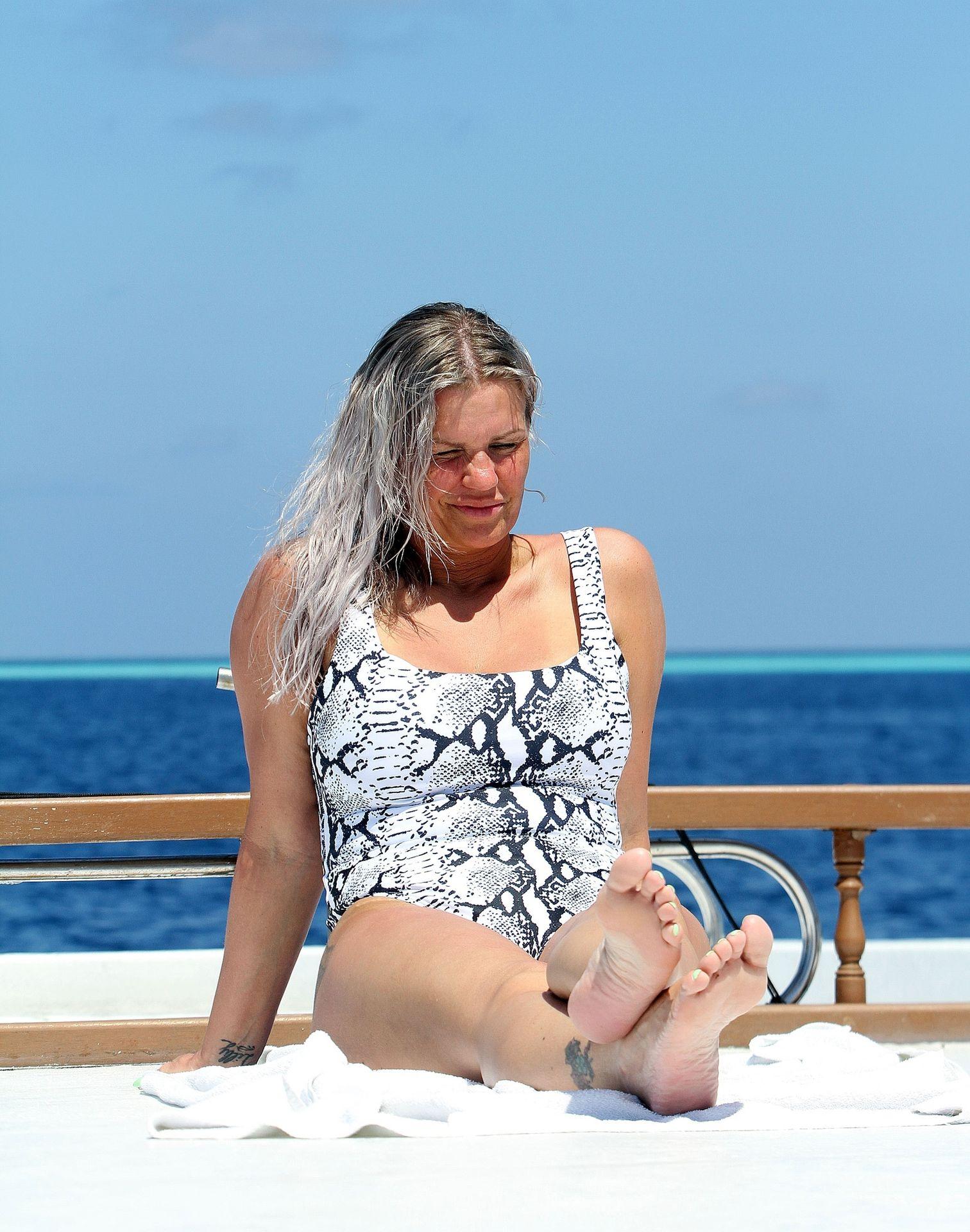 Kerry Katona & Ryan Mahoney Hit The Beach On Holiday At Their Luxury 5 Star Resort Ayada Maldives 0039