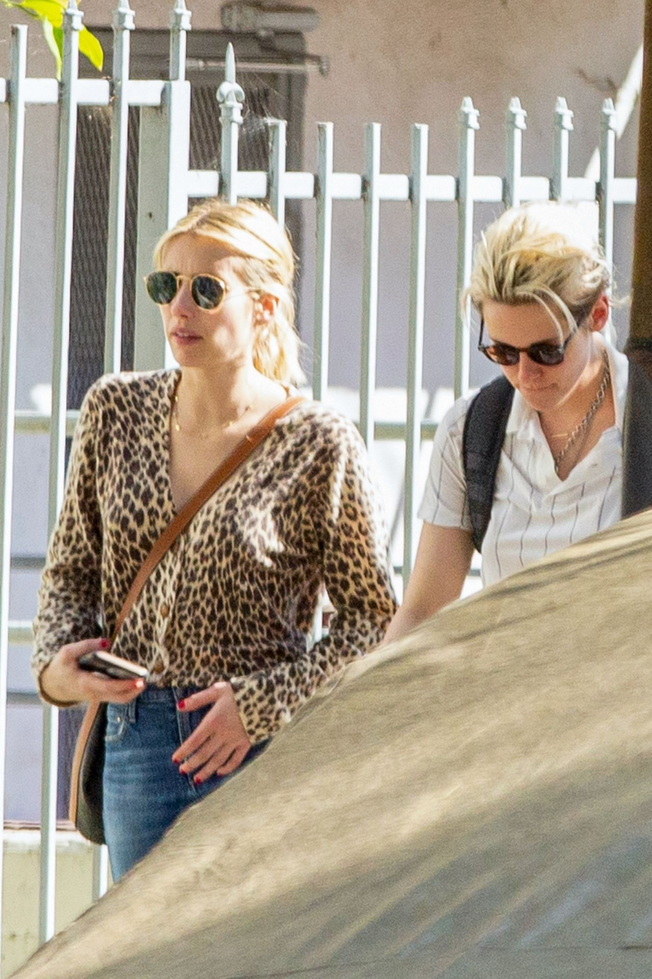 Kristen Stewart Brings Emma Roberts With Her To Check Out A New Apartment In Los Feliz 0004