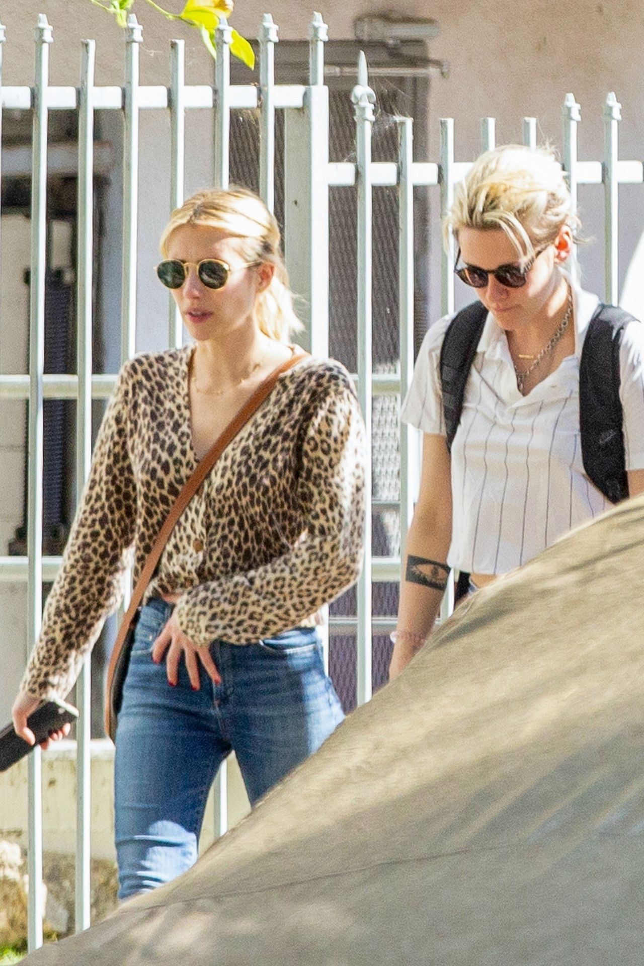 Kristen Stewart Brings Emma Roberts With Her To Check Out A New Apartment In Los Feliz 0005