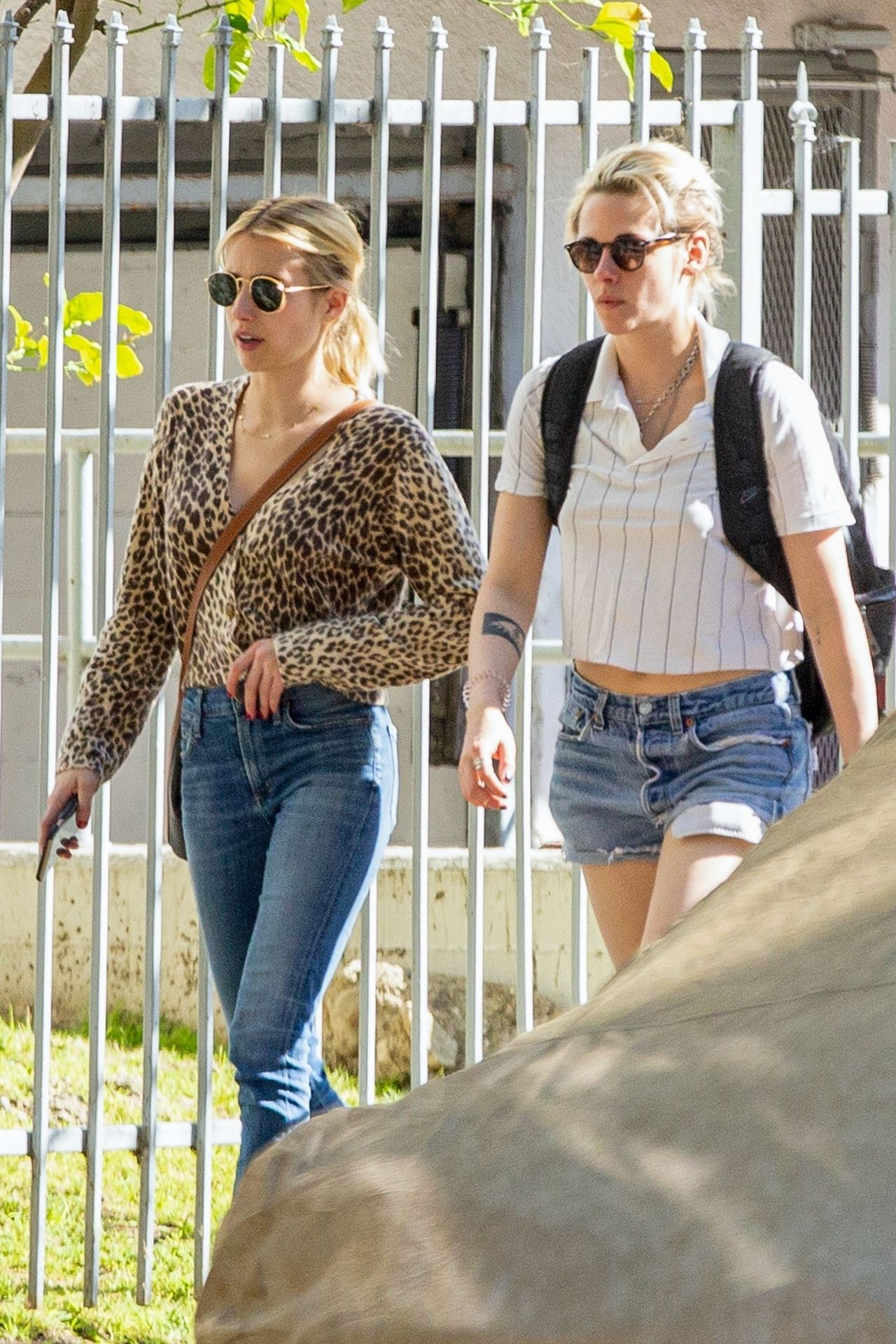 Kristen Stewart Brings Emma Roberts With Her To Check Out A New Apartment In Los Feliz 0006