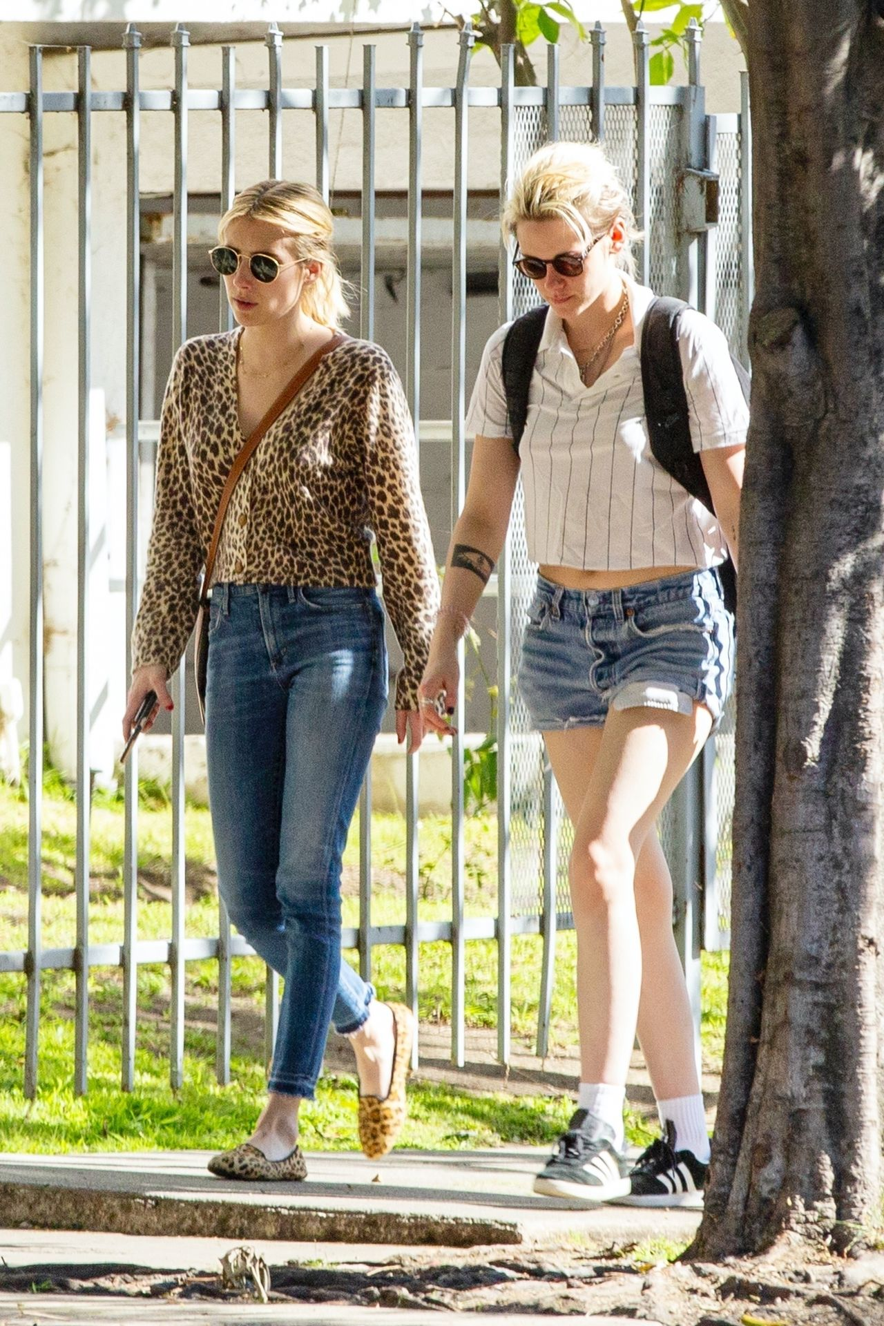 Kristen Stewart Brings Emma Roberts With Her To Check Out A New Apartment In Los Feliz 0008