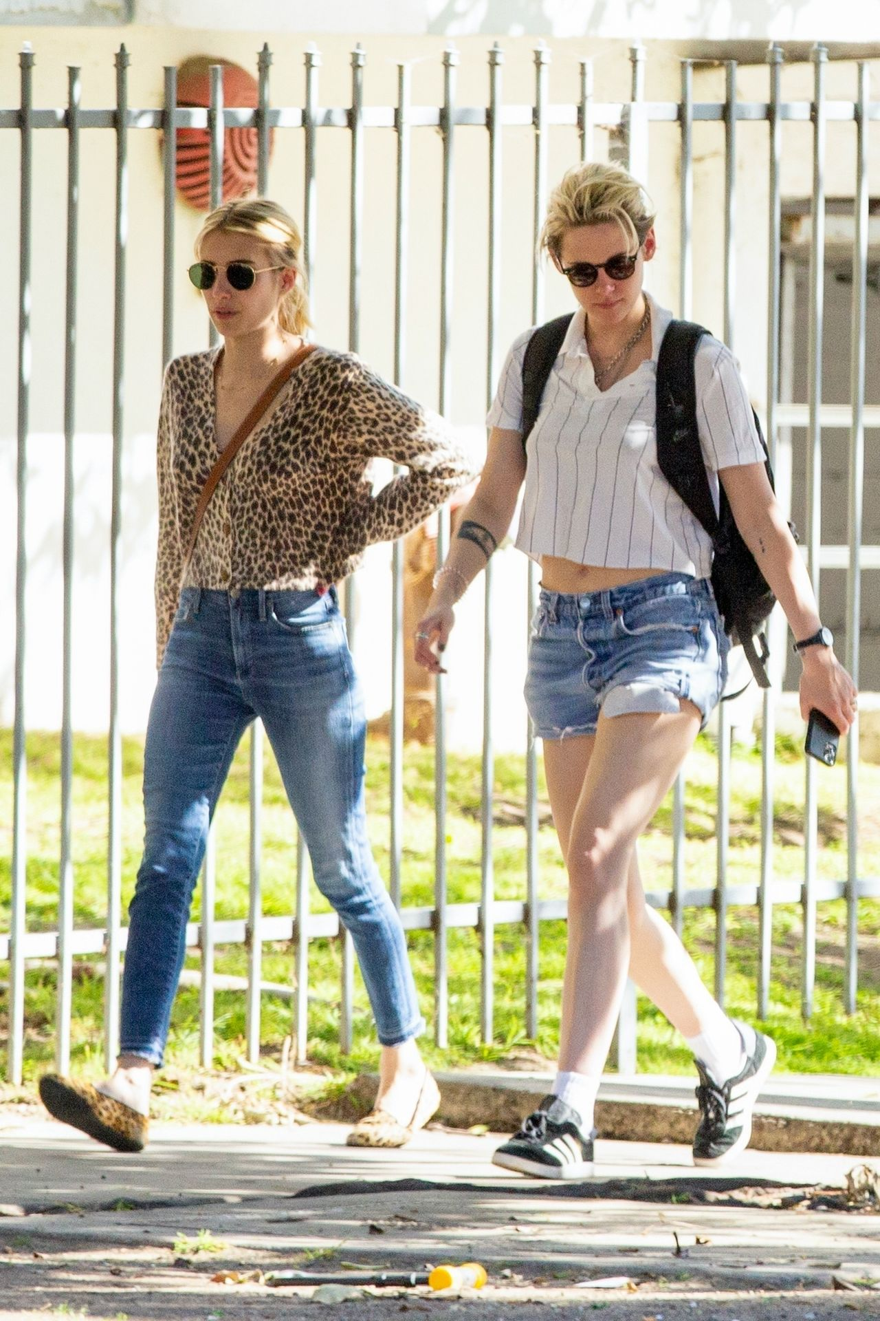 Kristen Stewart Brings Emma Roberts With Her To Check Out A New Apartment In Los Feliz 0010