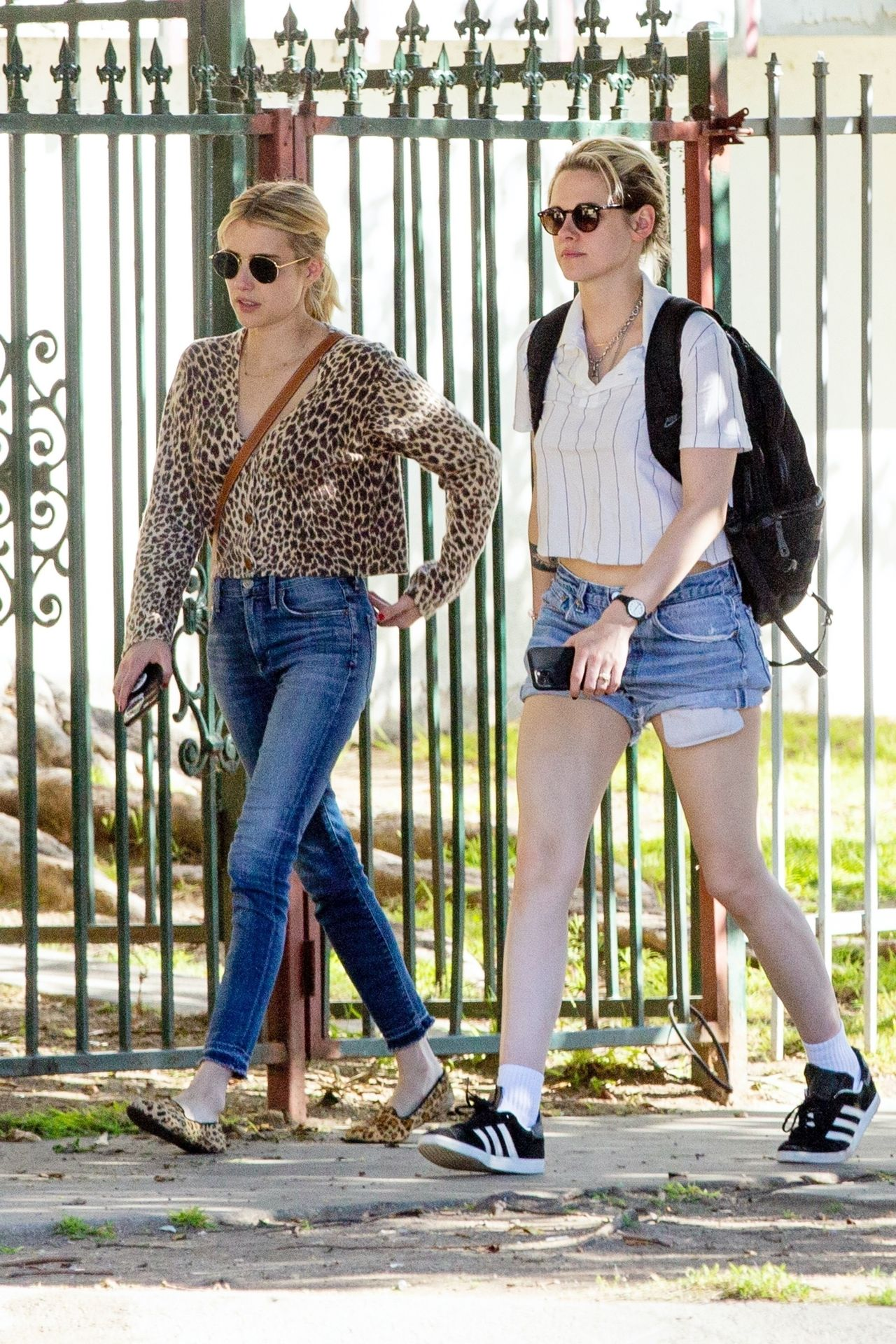 Kristen Stewart Brings Emma Roberts With Her To Check Out A New Apartment In Los Feliz 0013