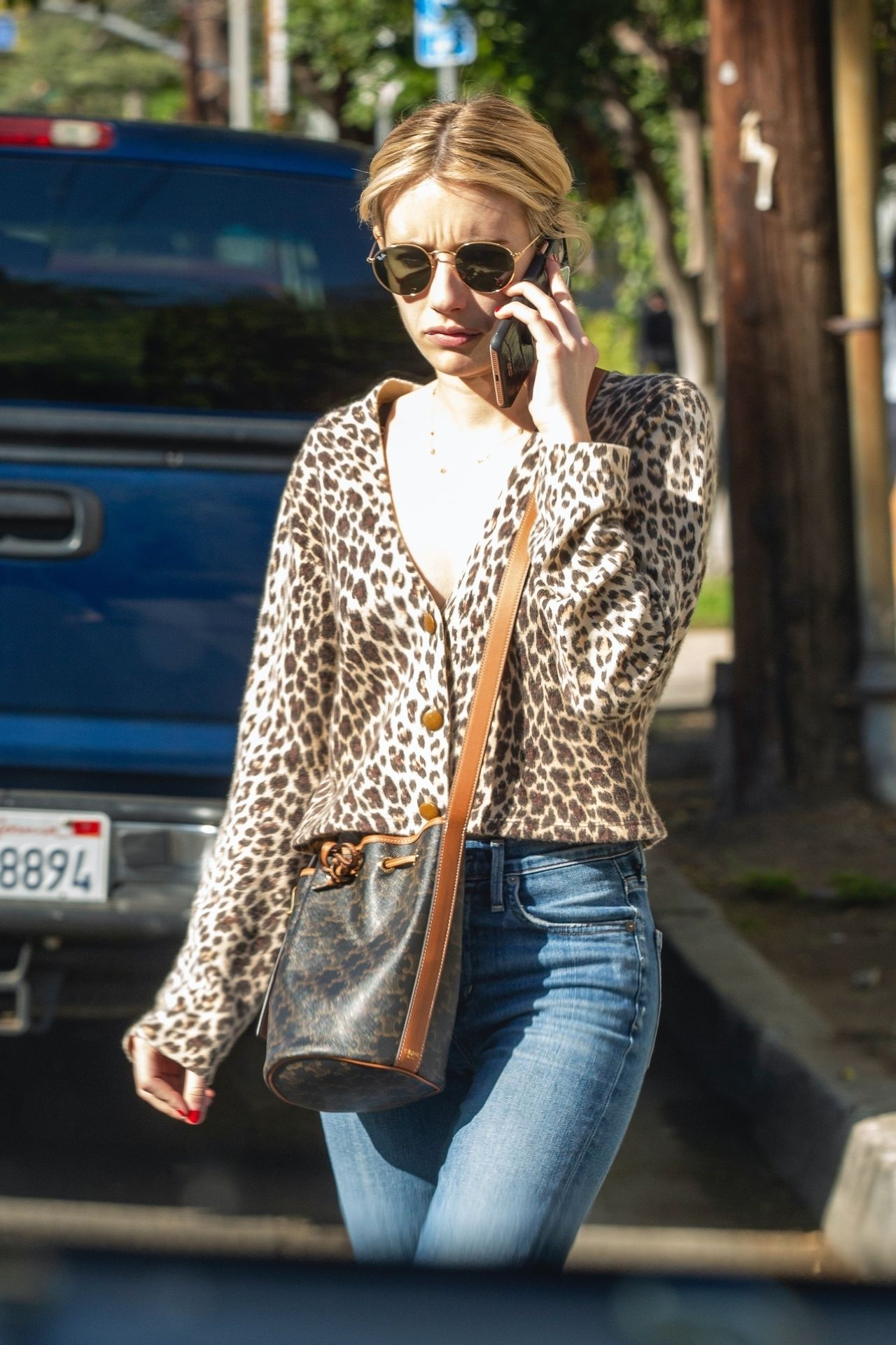 Kristen Stewart Brings Emma Roberts With Her To Check Out A New Apartment In Los Feliz 0024