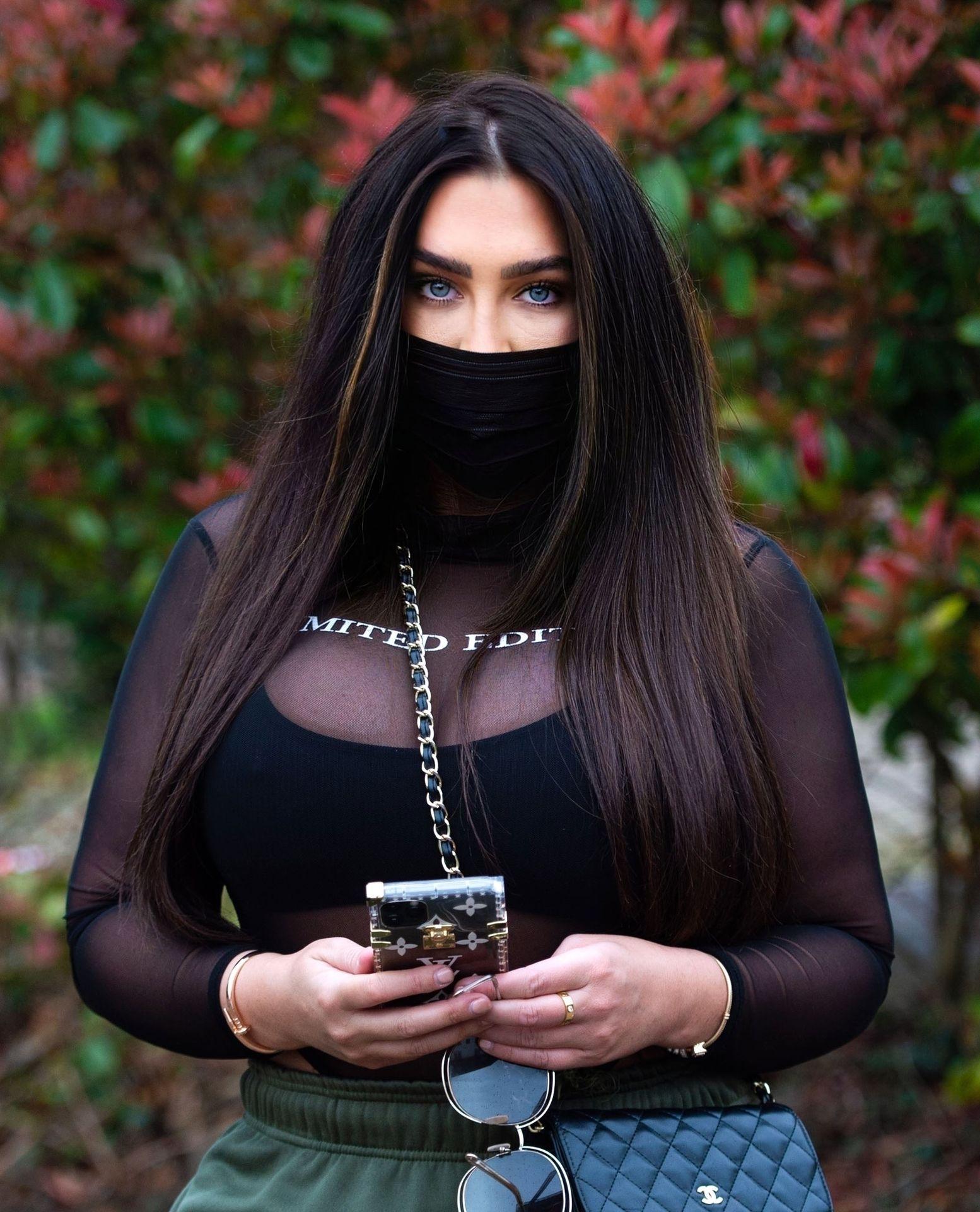 Lauren Goodger Wears A Facial Mask To Protect Against Coronavirus 0001