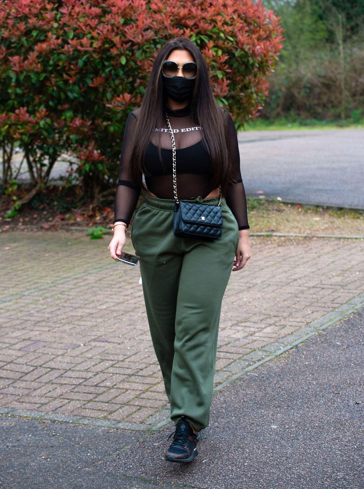 Lauren Goodger Wears A Facial Mask To Protect Against Coronavirus 0006