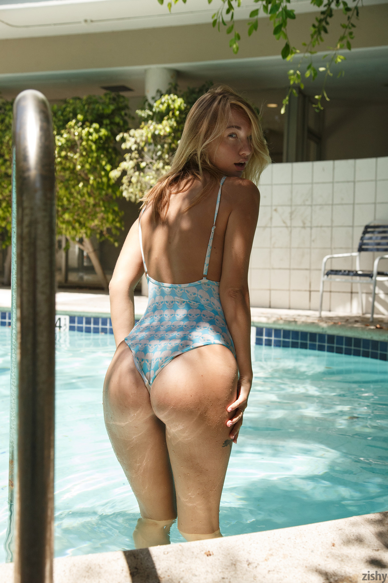 Lily Ivy Poolside Feminism 0064