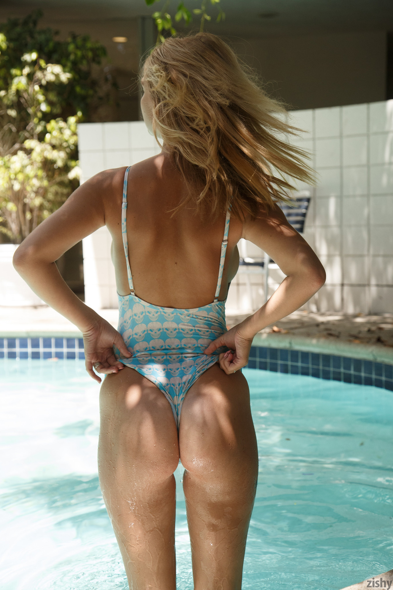 Lily Ivy Poolside Feminism 0075
