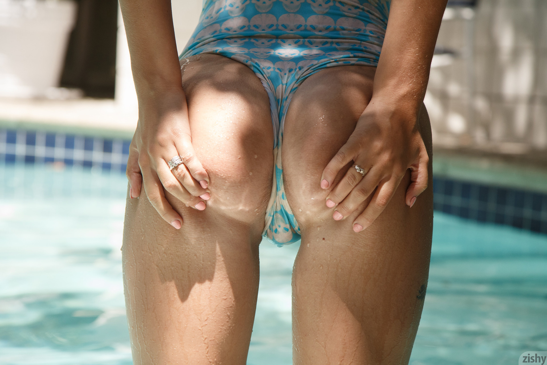 Lily Ivy Poolside Feminism 0080