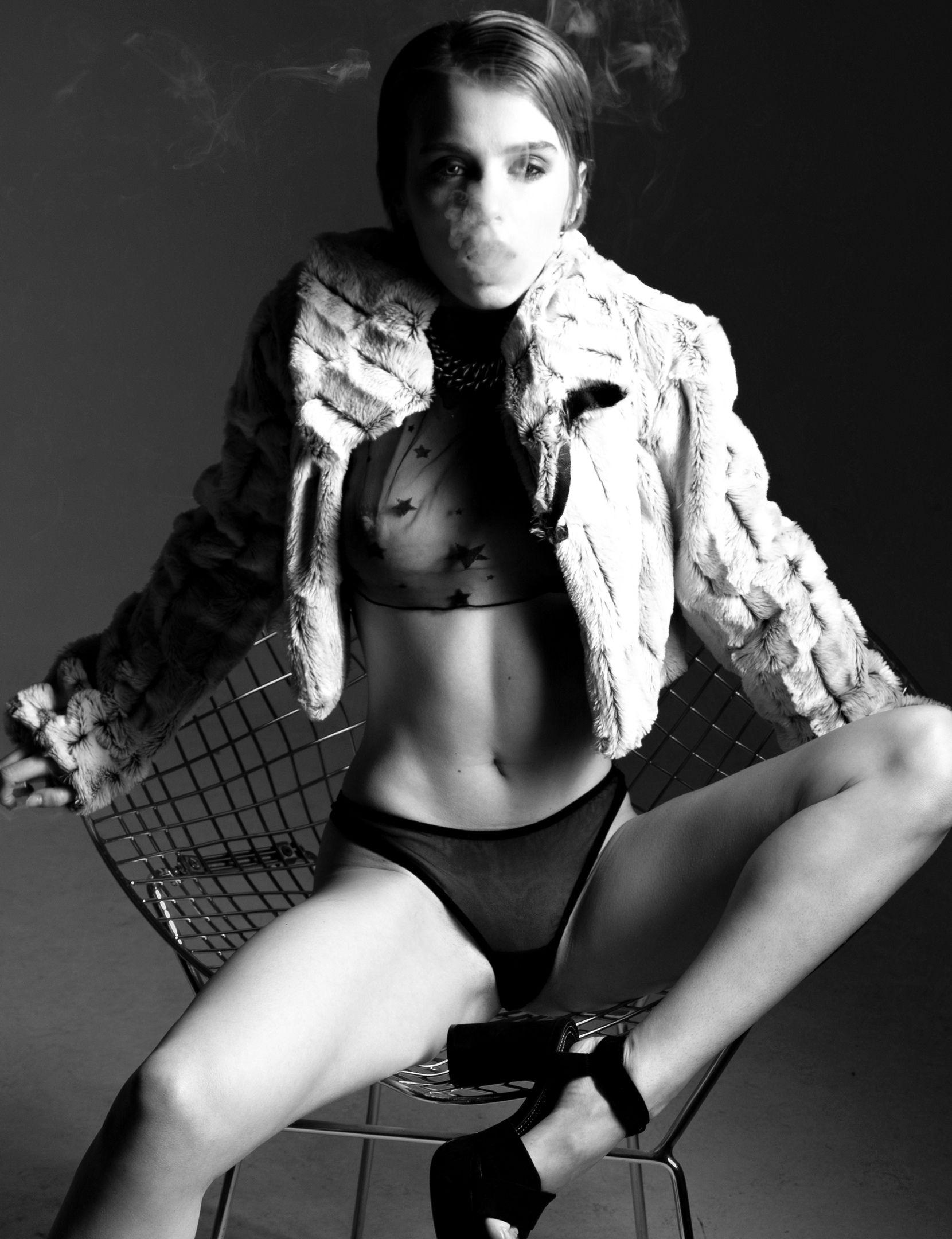 Marta Gromova Nude & Sexy 0003