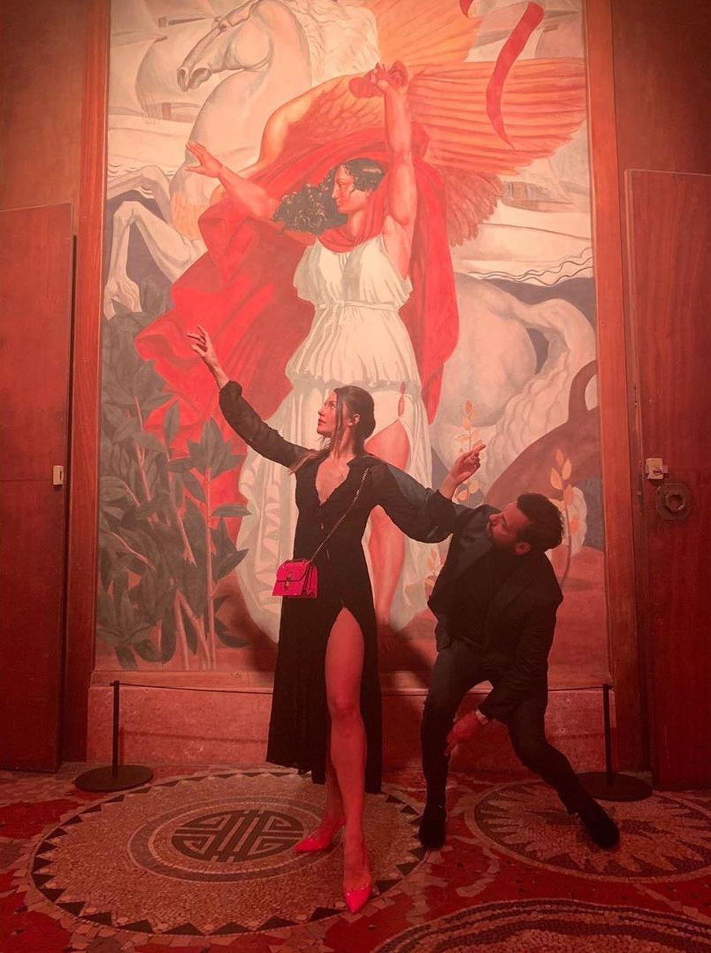 Natasha Andrews Shows Her Big Nipples In Paris 0005
