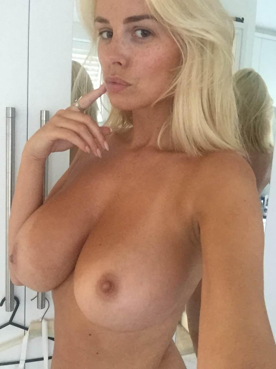 Rhian Sugden Onlyfans Nudes Leaks 0001
