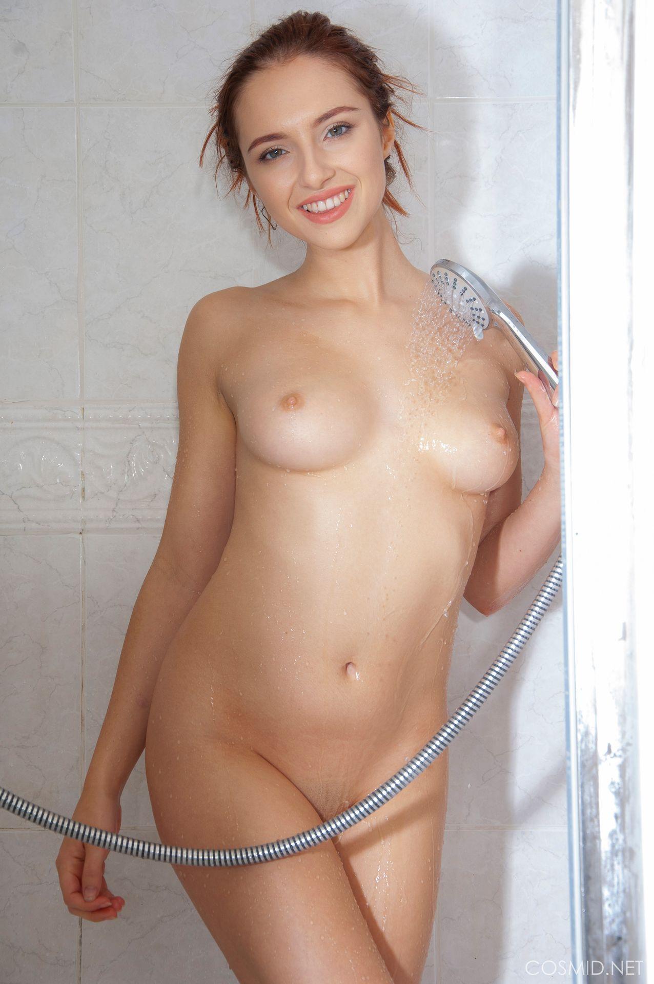Sophia Blake Nude 0001